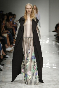 BLUMARINE SPRING SUMMER 2016 WOMEN'S COLLECTION – MILAN FASHION WEEK