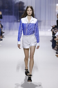 CARVEN SPRING SUMMER 2016 WOMEN'S COLLECTION – PARIS FASHION WEEK