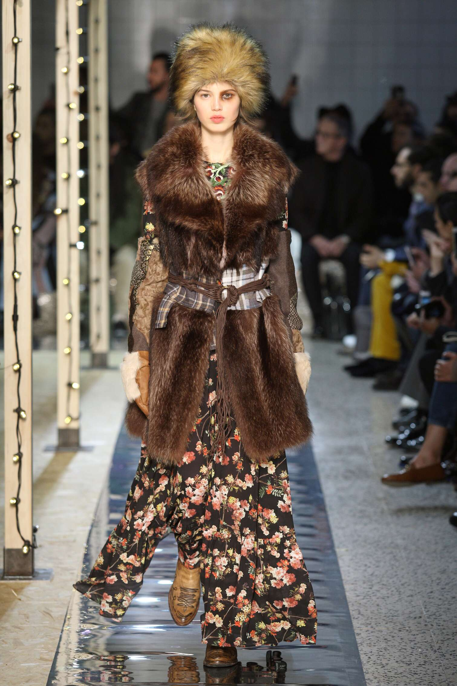 Fall 2016-17 Woman Fashion Show Antonio Marras