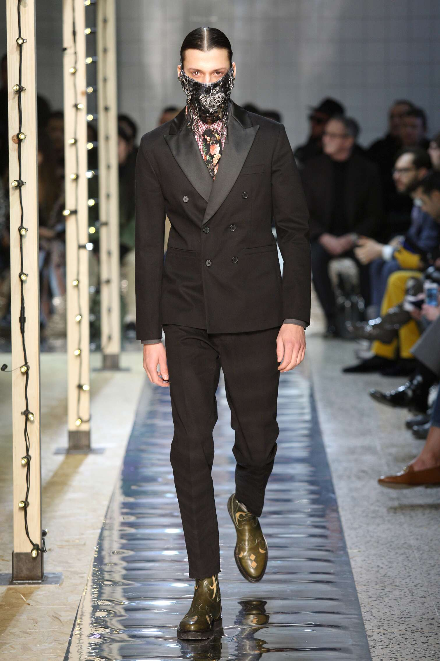 Fashion 2016 Catwalk Antonio Marras
