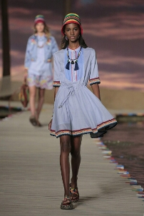 TOMMY HILFIGER SPRING SUMMER 2016 WOMEN'S COLLECTION – NEW YORK FASHION WEEK