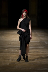 YOHJI YAMAMOTO SPRING SUMMER 2016 WOMEN'S COLLECTION – PARIS FASHION WEEK