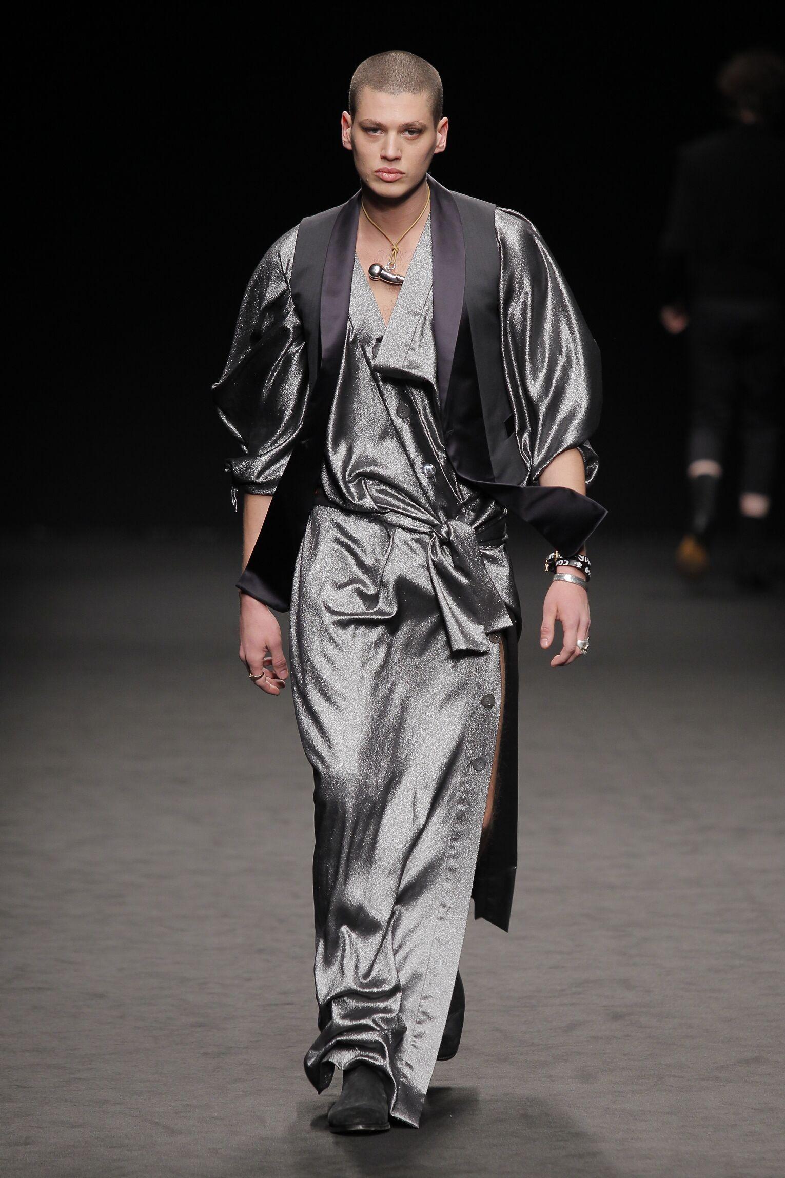 2016-2017 Catwalk Fashion Vivienne Westwood