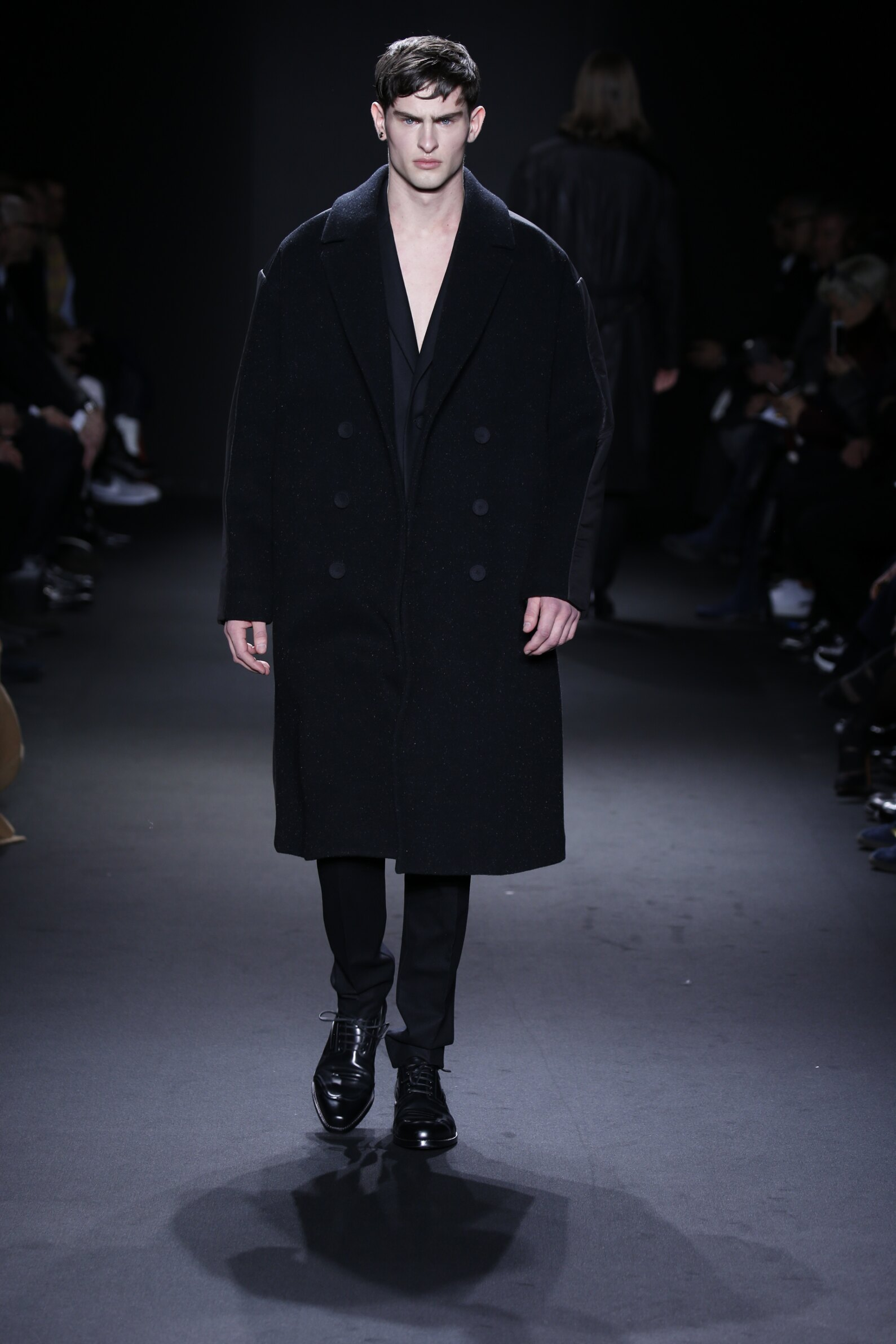 2016 Catwalk Calvin Klein Collection Man Fashion Show Winter