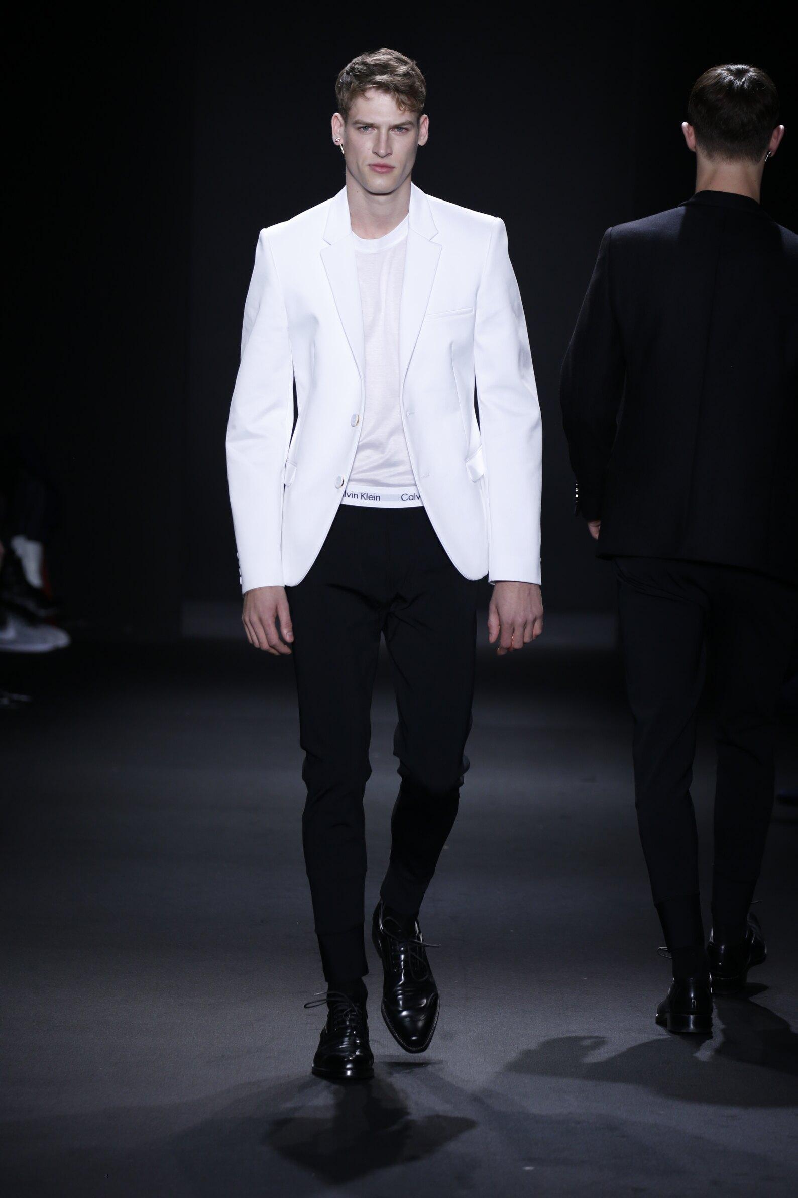 FW 2016-2017 Calvin Klein Collection Fashion Show Milan
