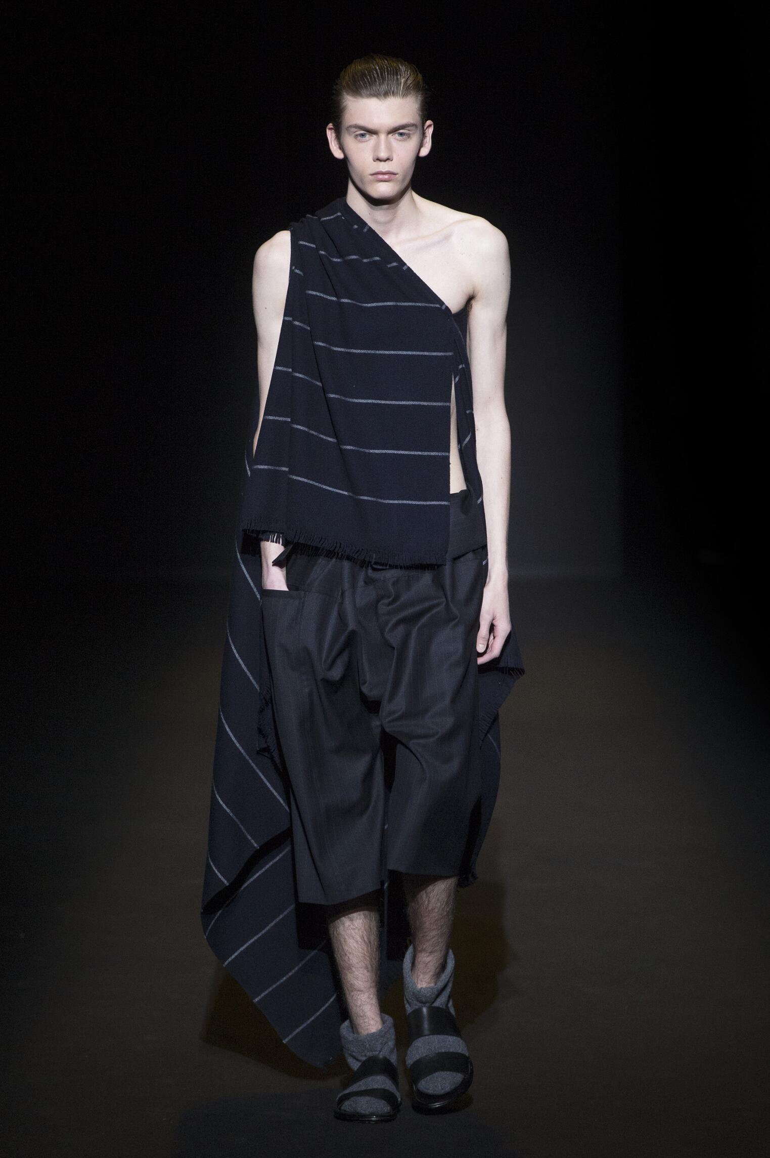 Fashion Man Model Lucio Vanotti Catwalk