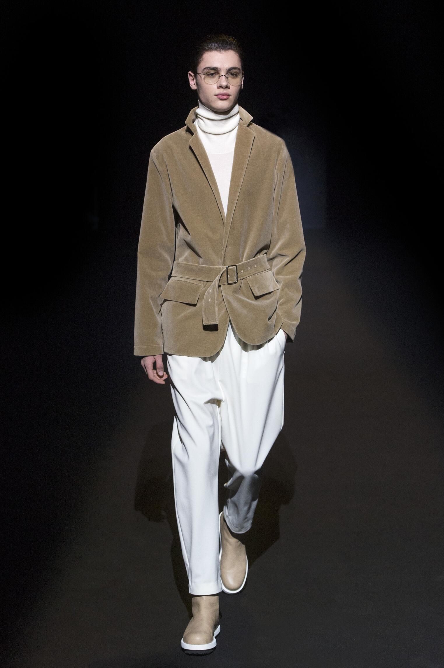 Fashion Model Lucio Vanotti Catwalk