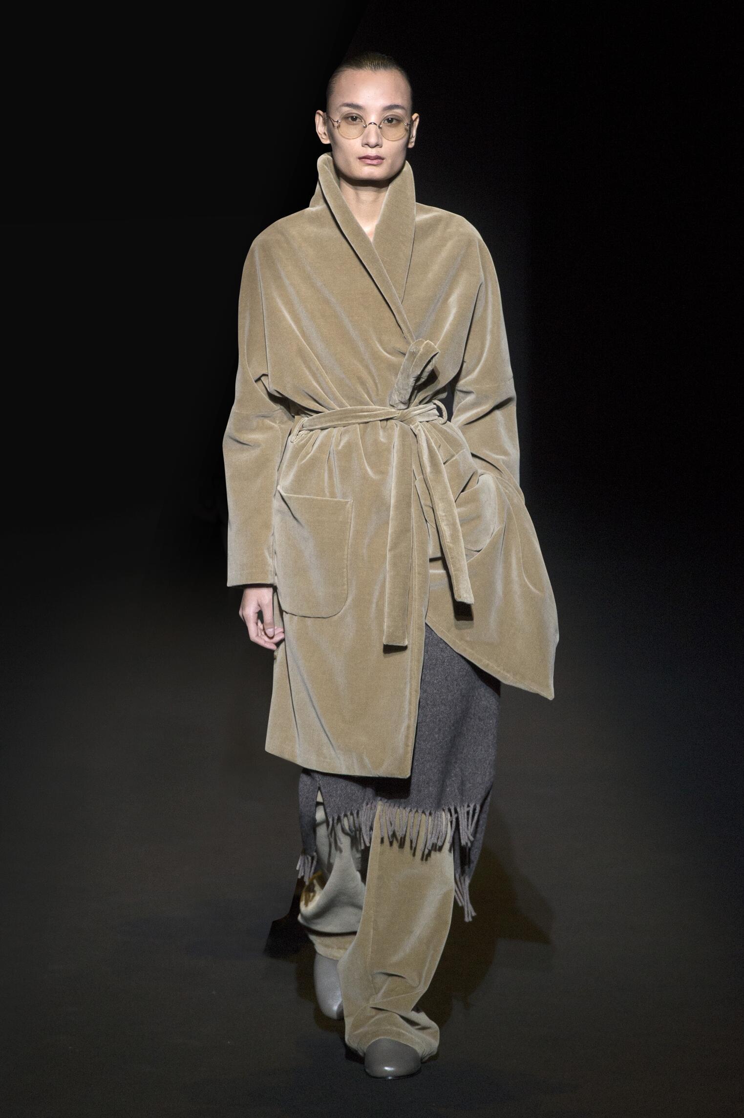 Runway Lucio Vanotti Fall Winter 2016 Women's Collection Milan Fashion Week