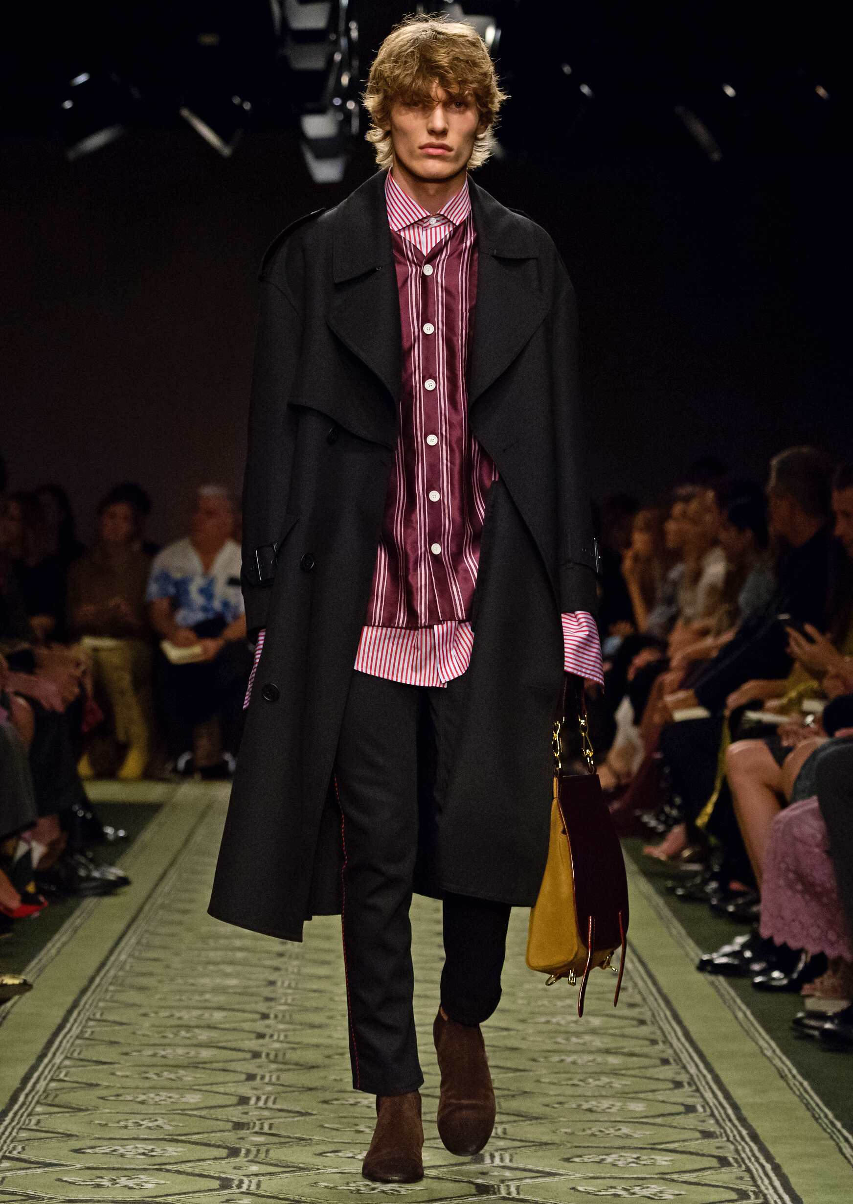 2016 Burberry Mens Catwalk London Runway