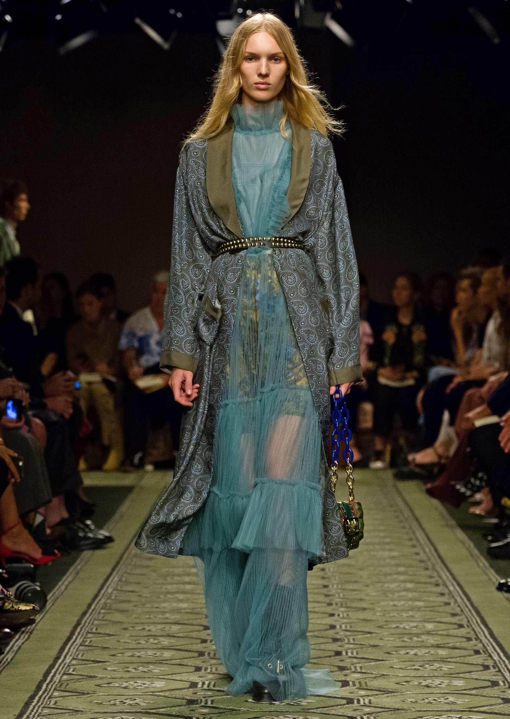 2016 Catwalk Burberry Woman Fashion Show London