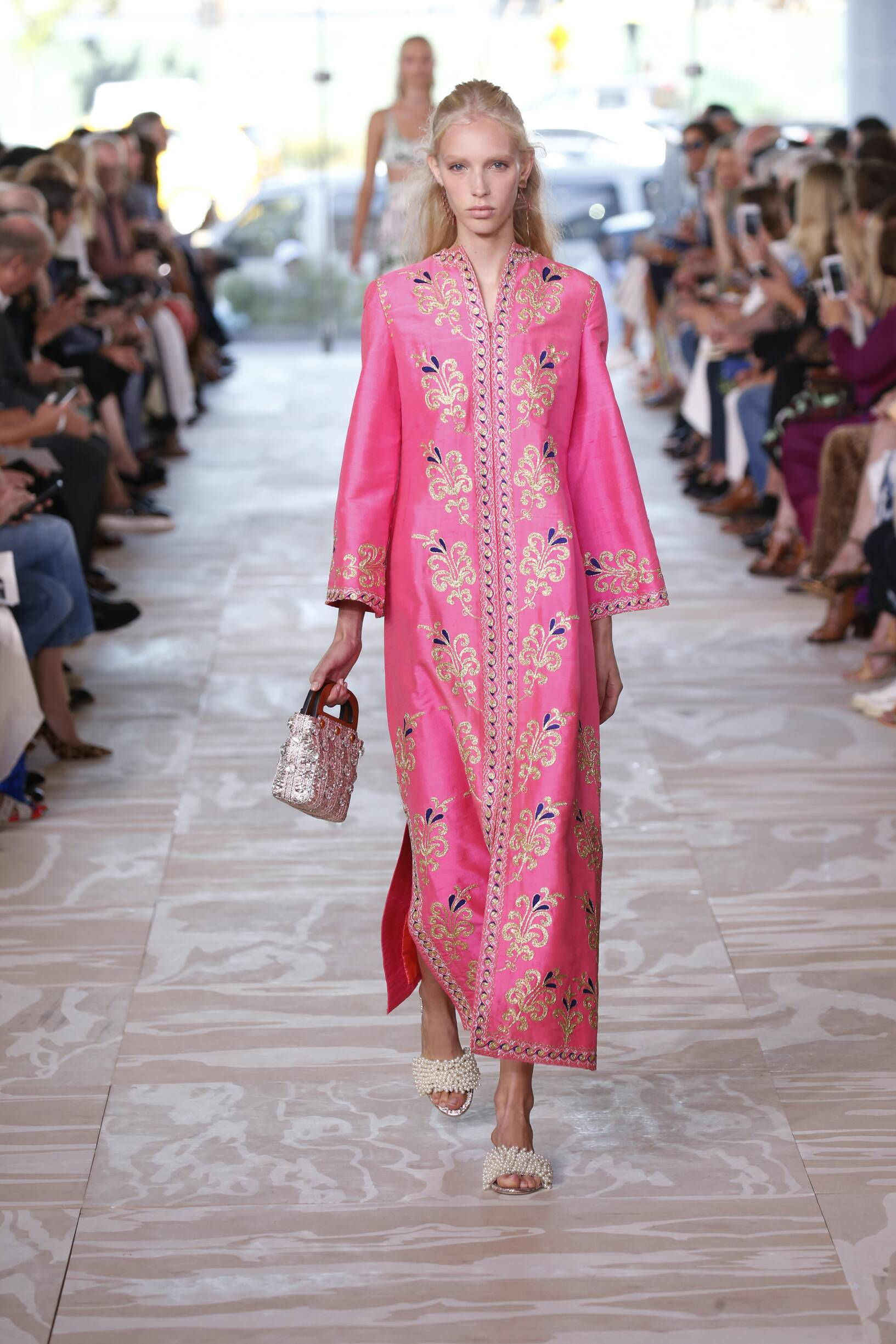 2017 Catwalk Tory Burch Woman Fashion Show Summer