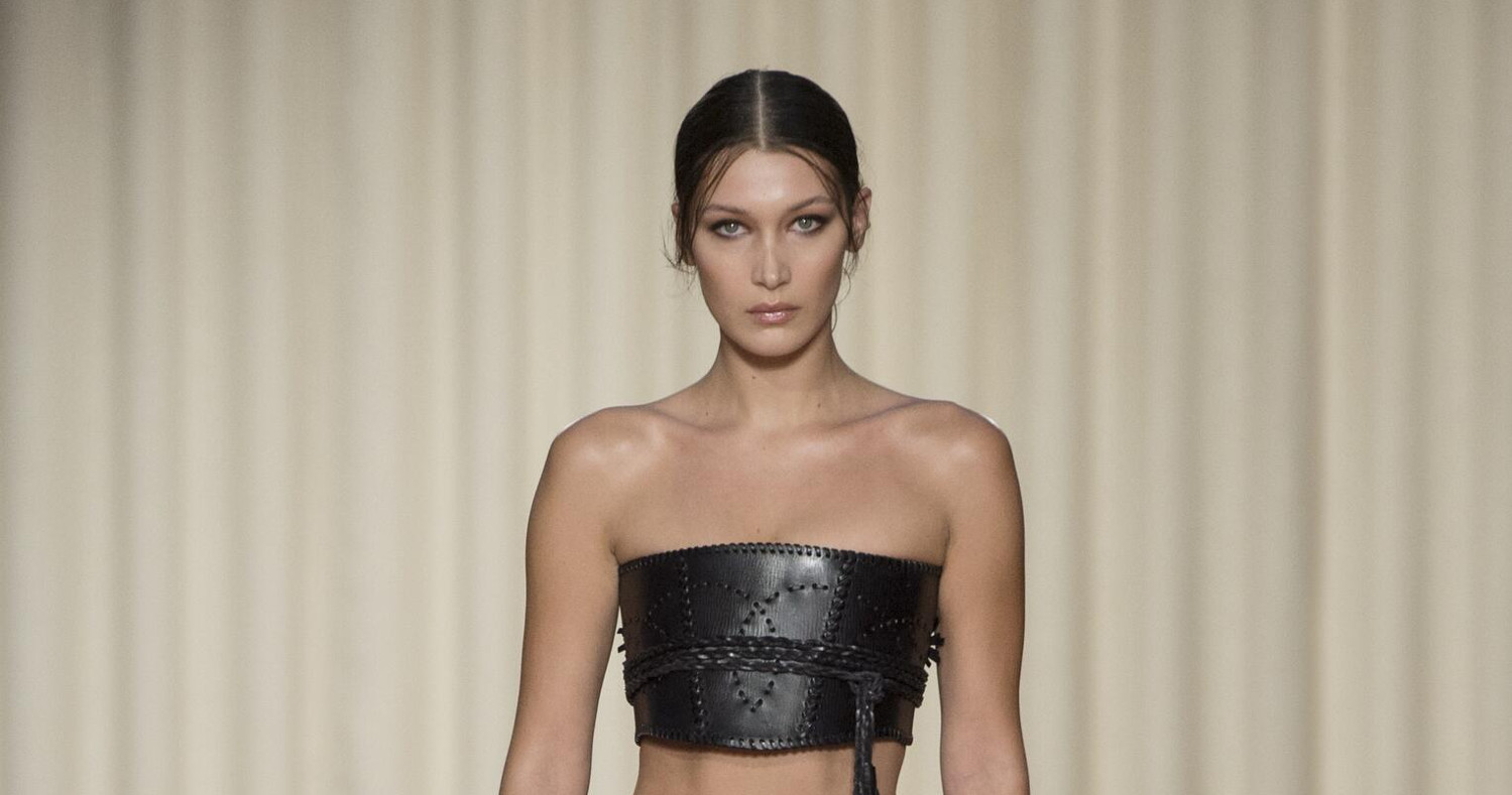 Alberta Ferretti Fashion Show SS 2017 Milan