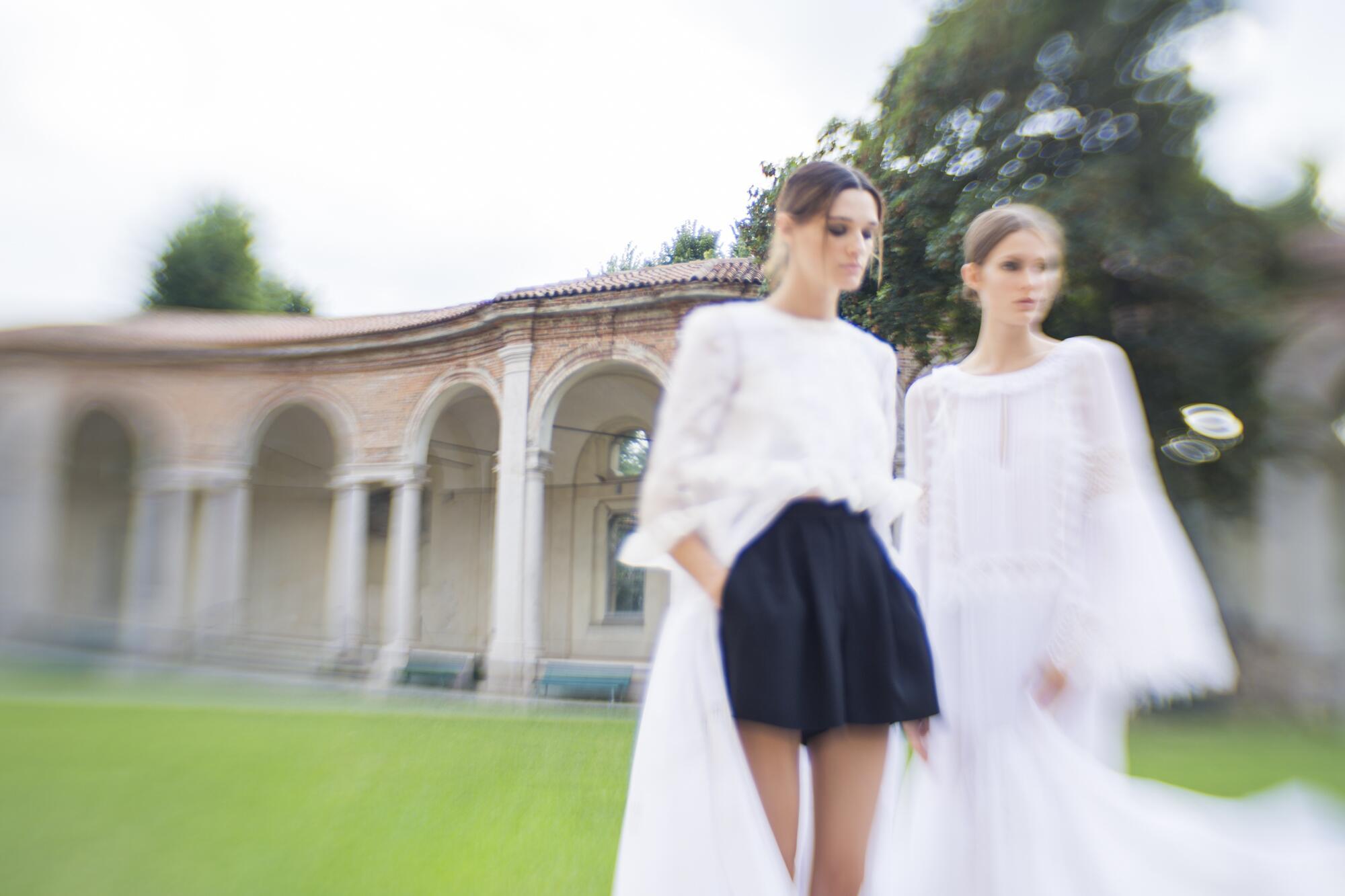 Backstage Models Alberta Ferretti SS 2017 Milan