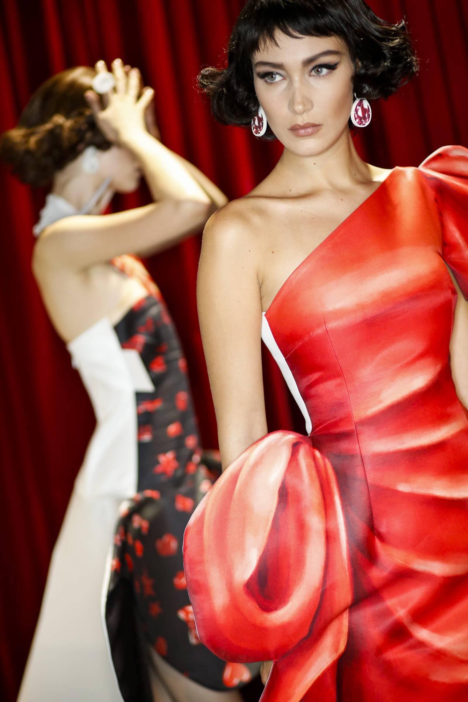 Backstage Moschino Fashion Model Milan Fashion Week
