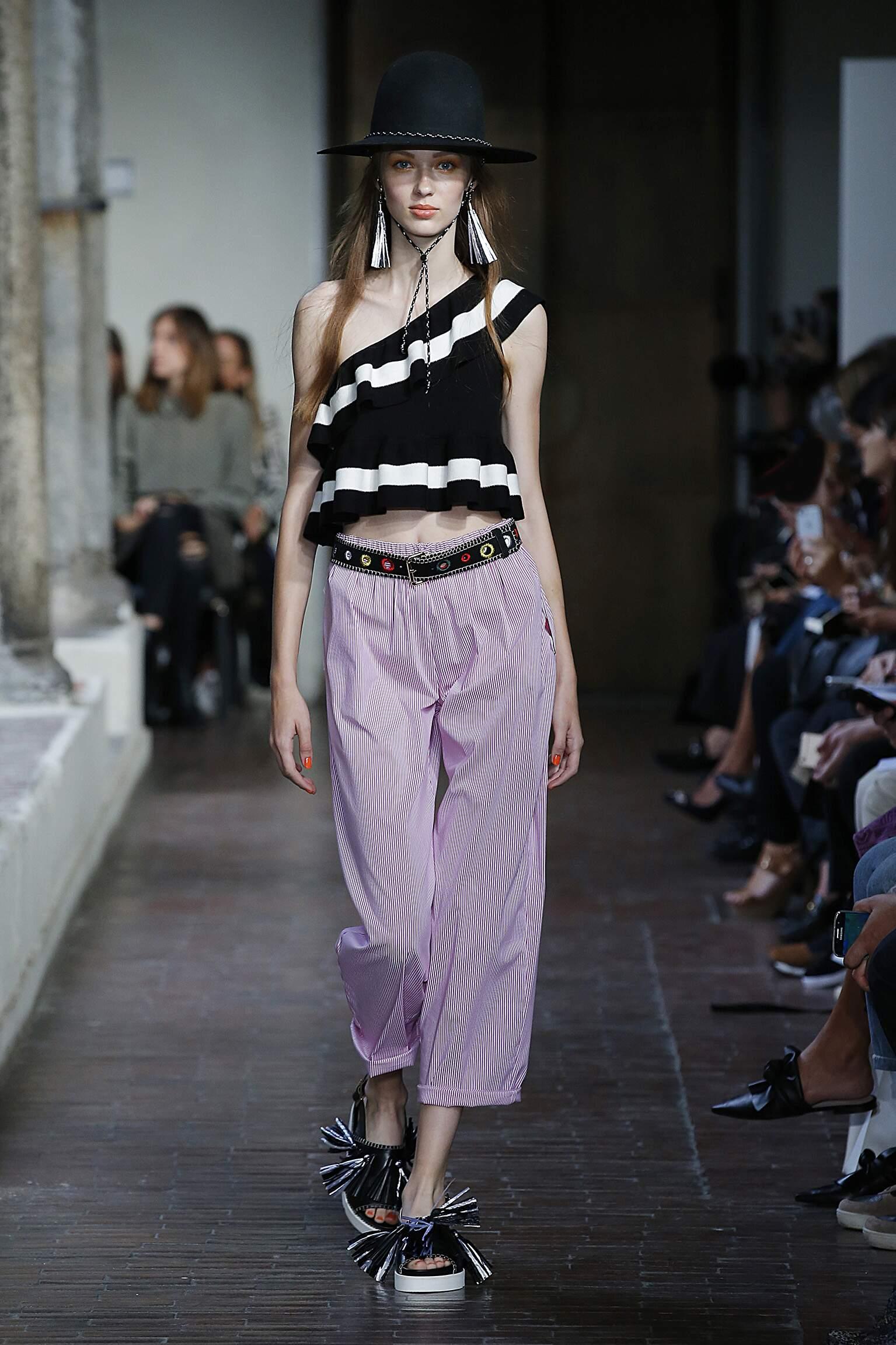 Blugirl Spring Summer 2017 Womens Collection Milan Fashion Week