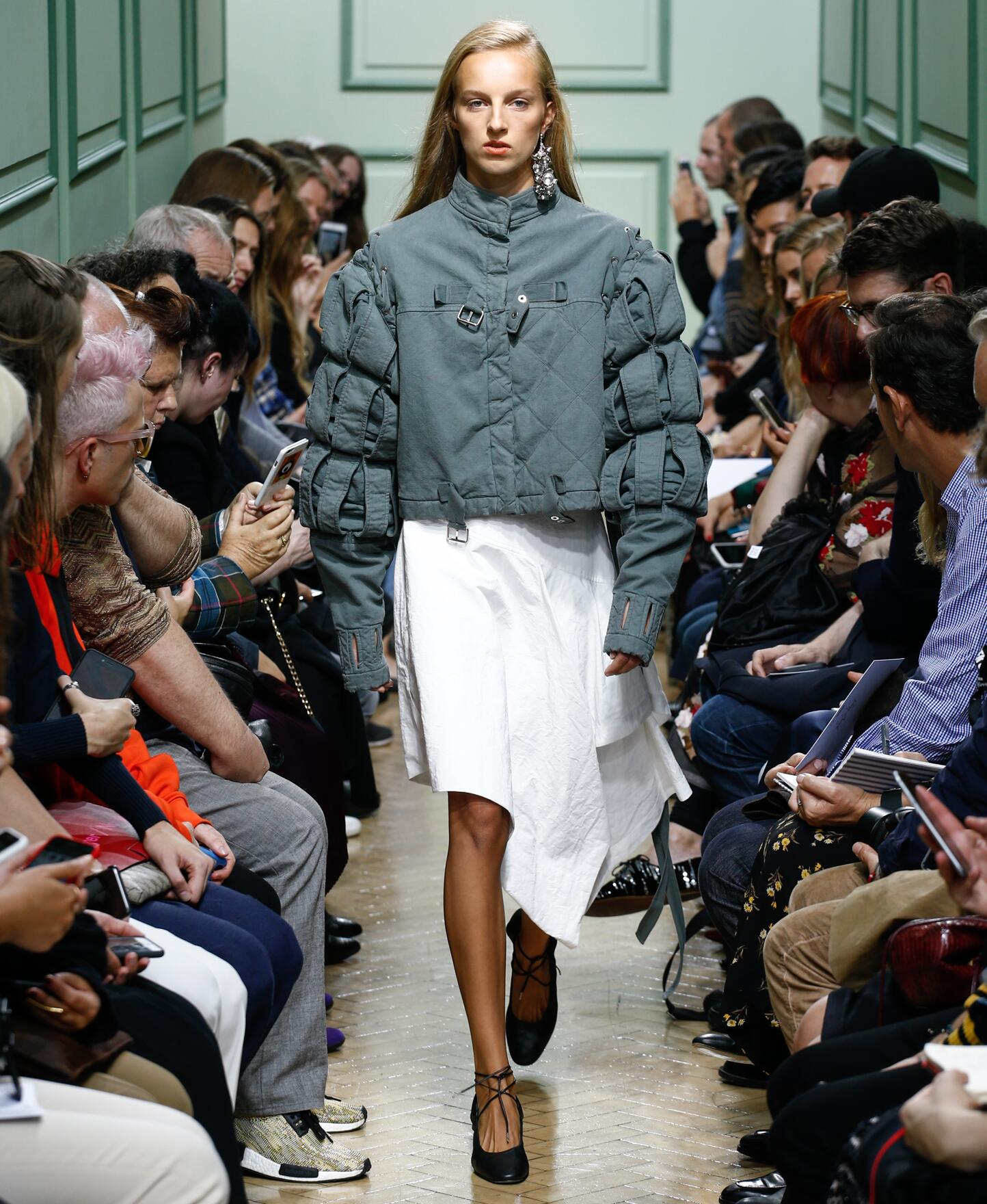 Catwalk J.W. Anderson Woman Fashion Show Summer 2017