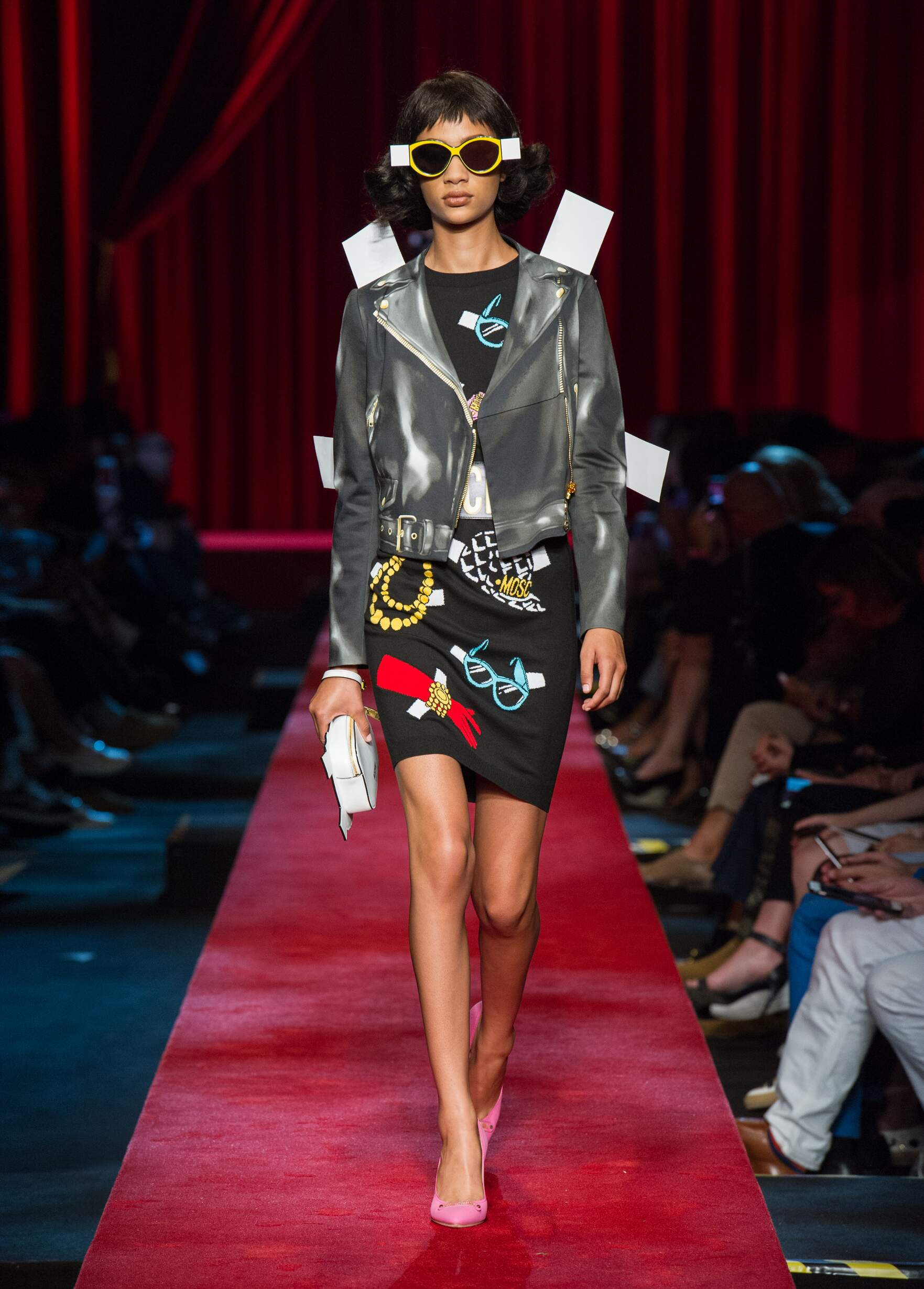 Catwalk Moschino Woman Fashion Show Summer 2017