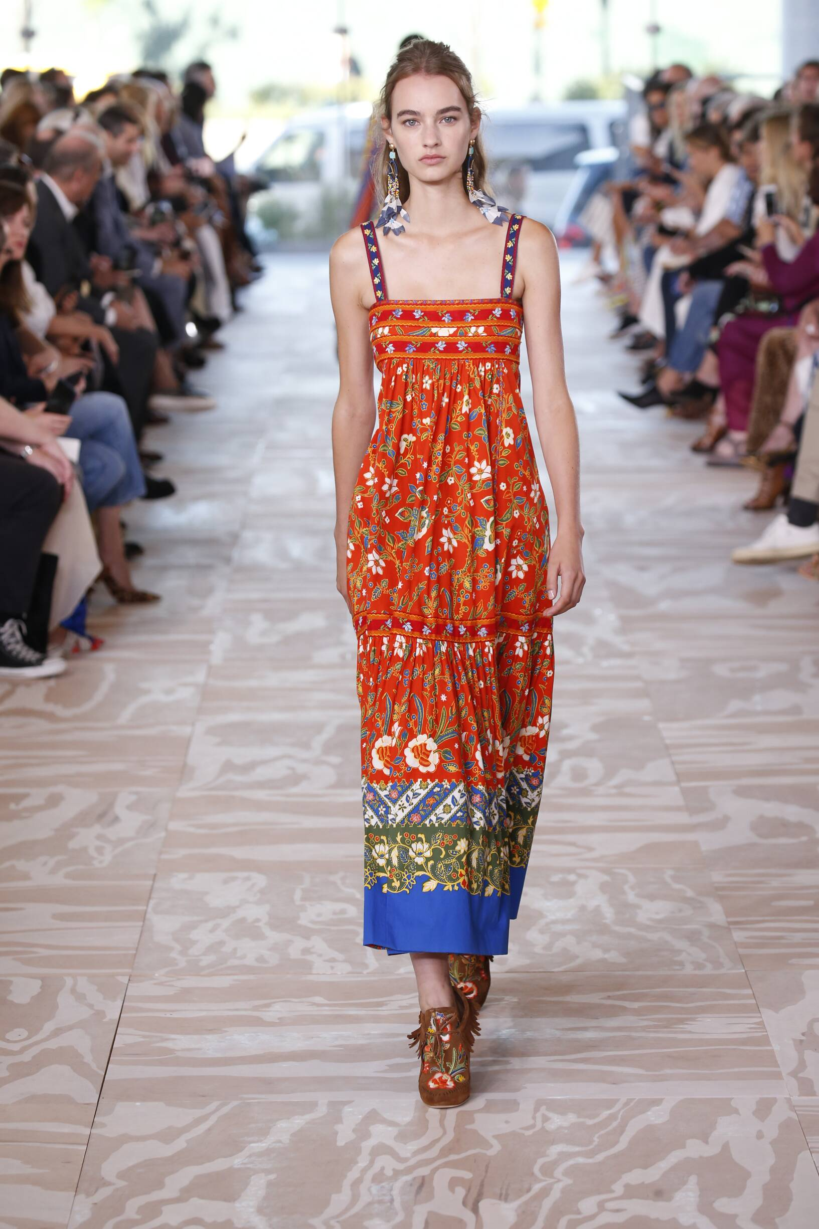 Catwalk Tory Burch Woman Fashion Show Summer 2017