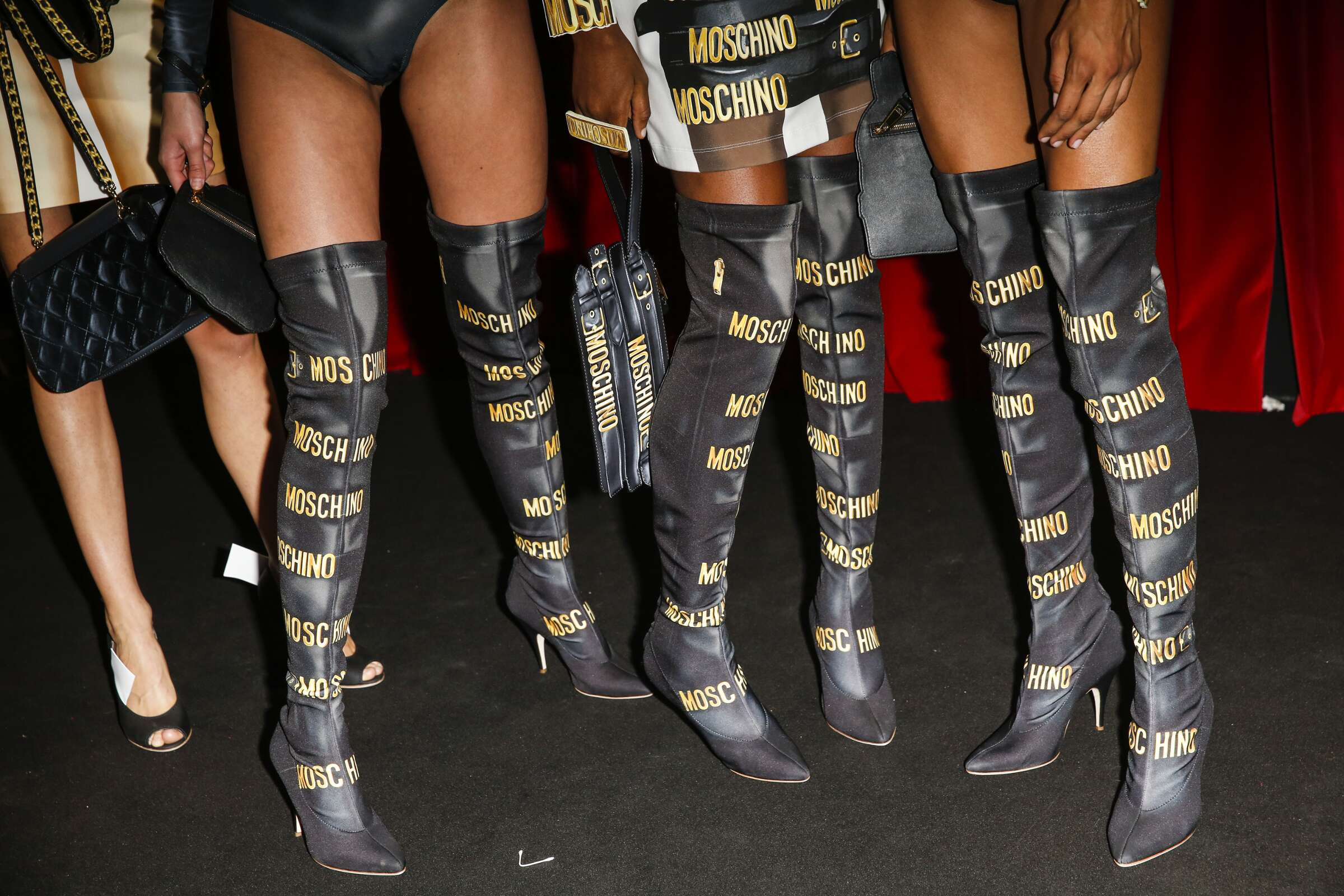 Detail Moschino Backstage