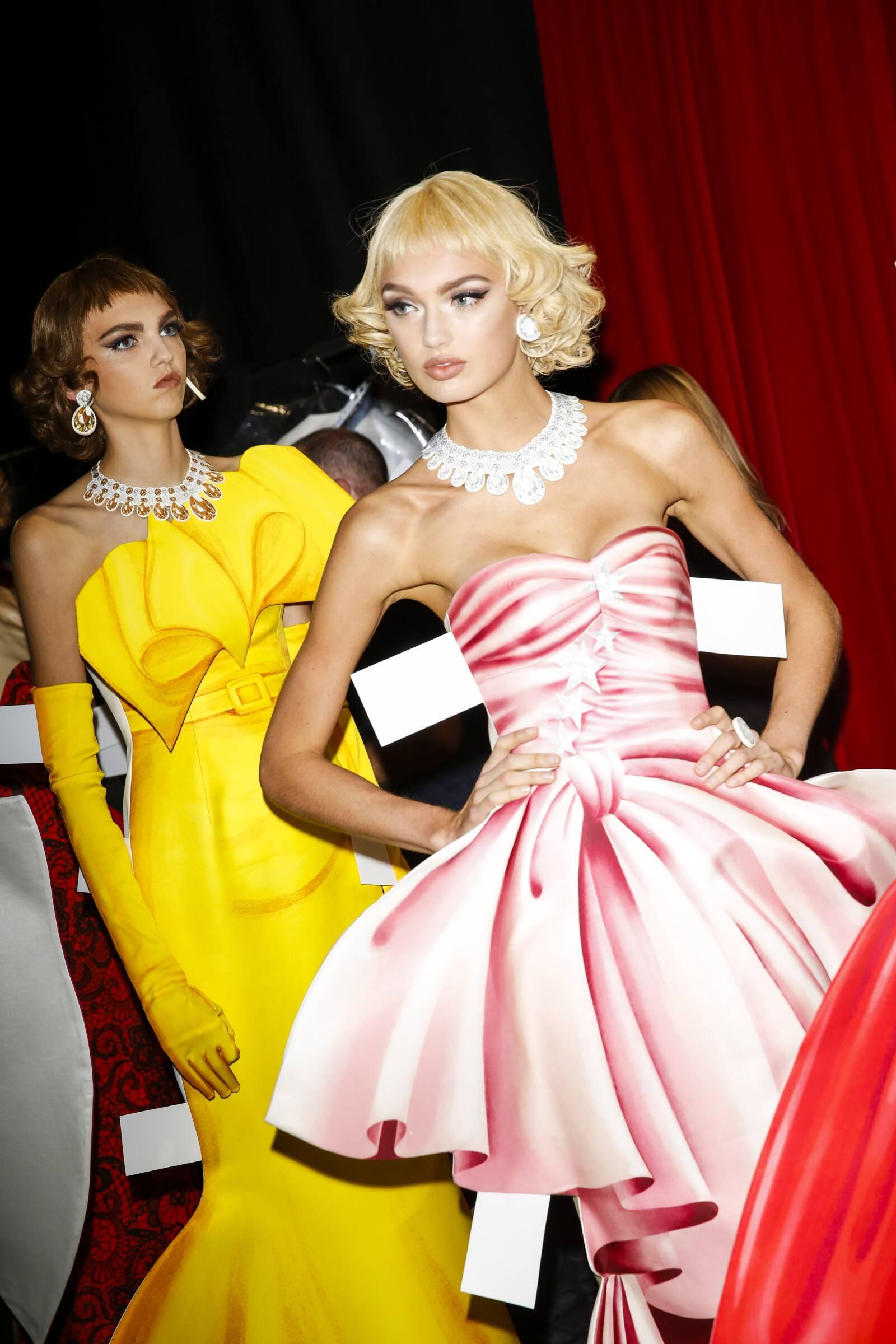 Dress Moschino SS 2017 Milan Fashion Week