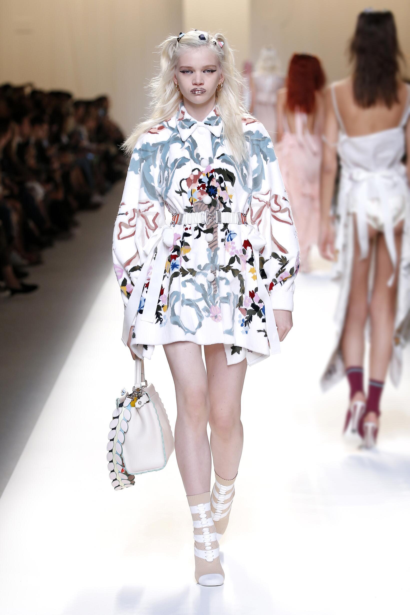 Fashion 2017 Catwalk Fendi