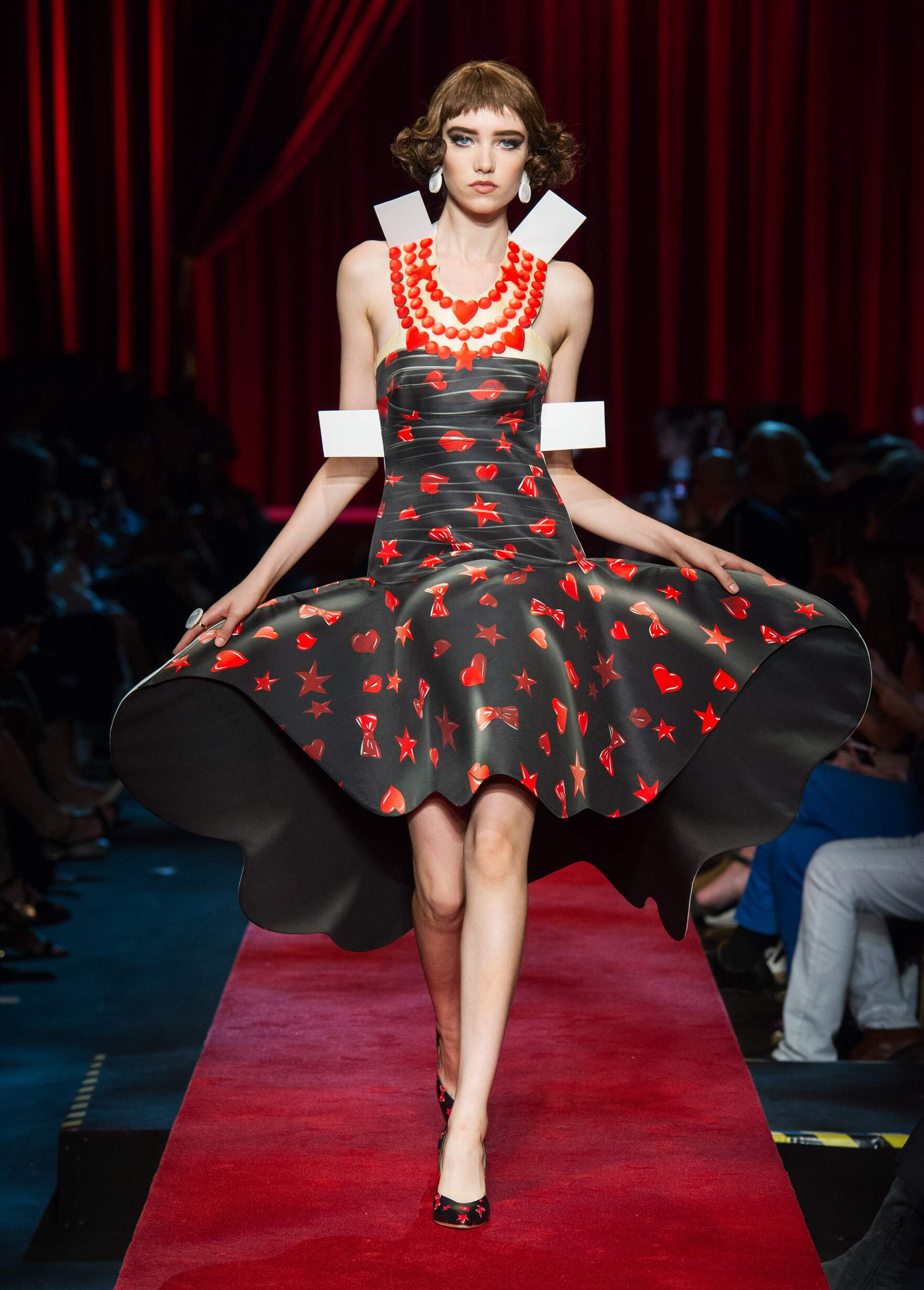 Fashion 2017 Woman Style Moschino