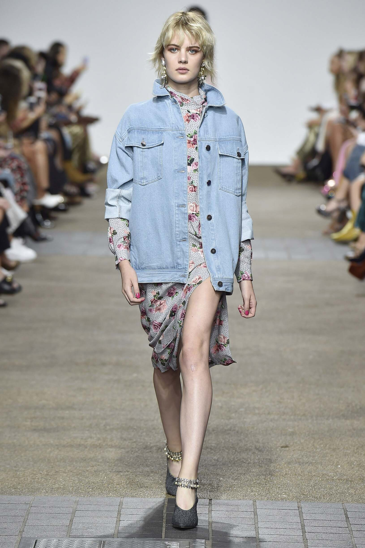 Fashion Model Topshop Unique Catwalk