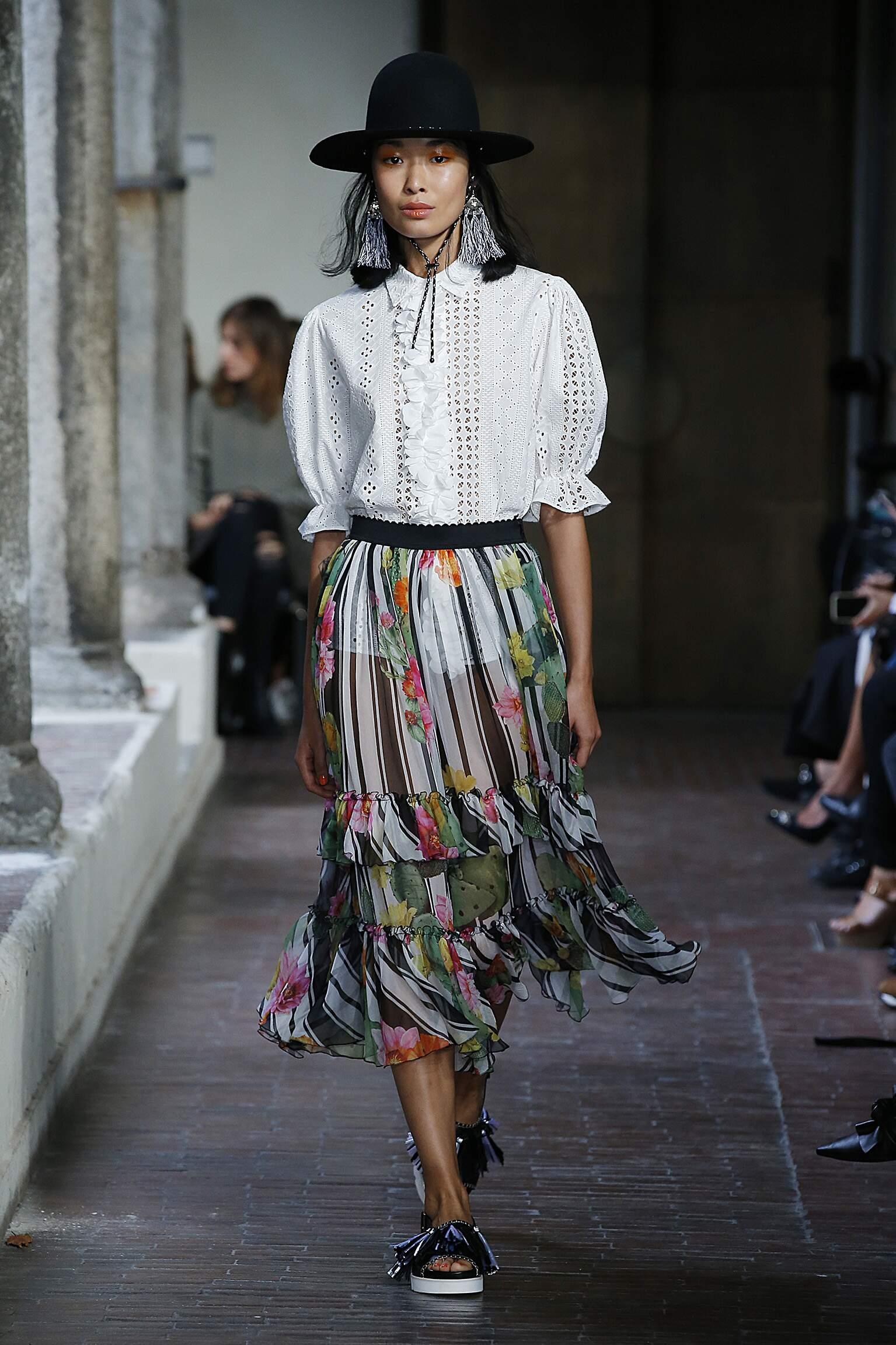 Fashion Woman Model Blugirl Catwalk