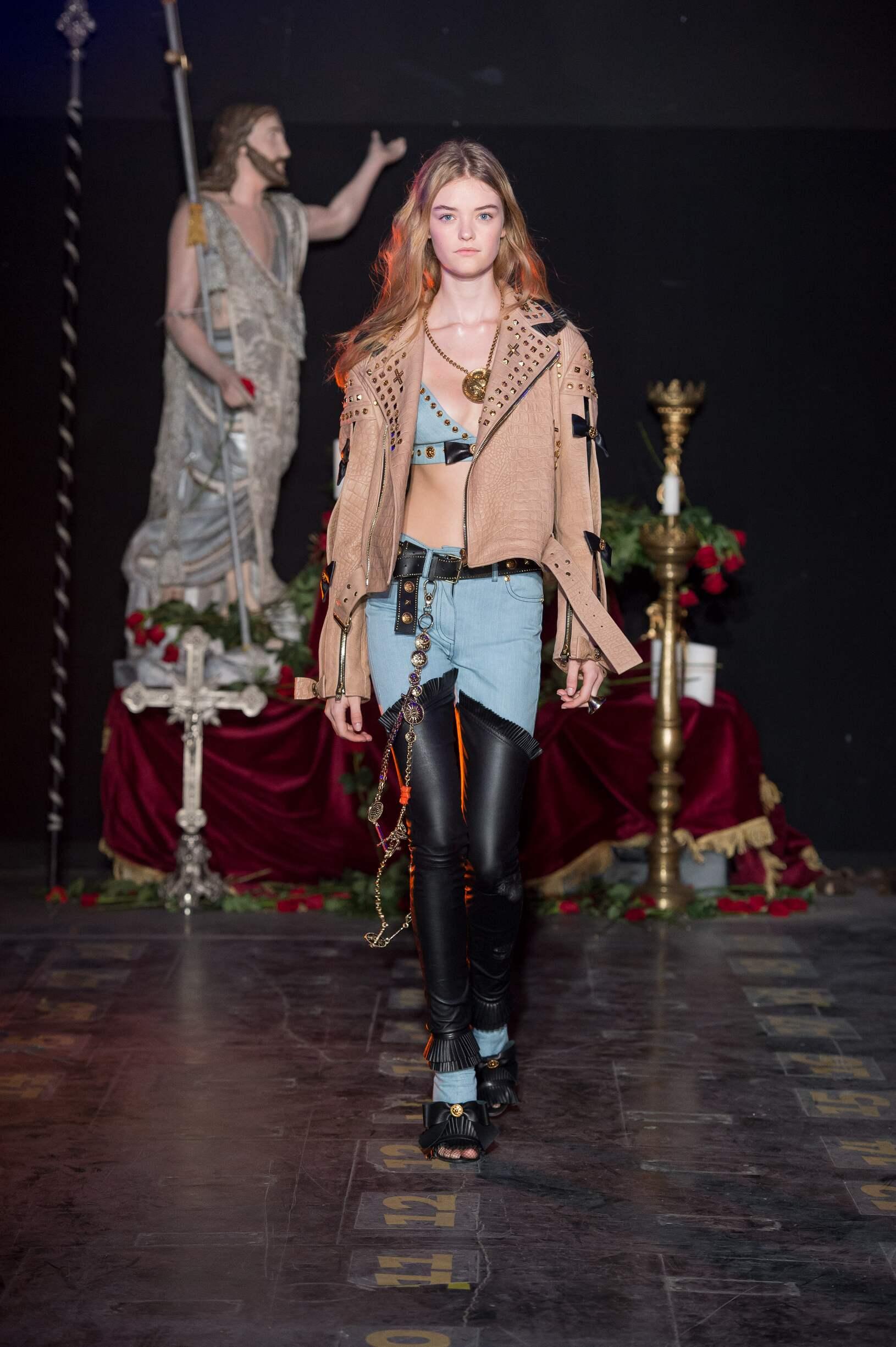 Fashion Woman Model Fausto Puglisi Catwalk