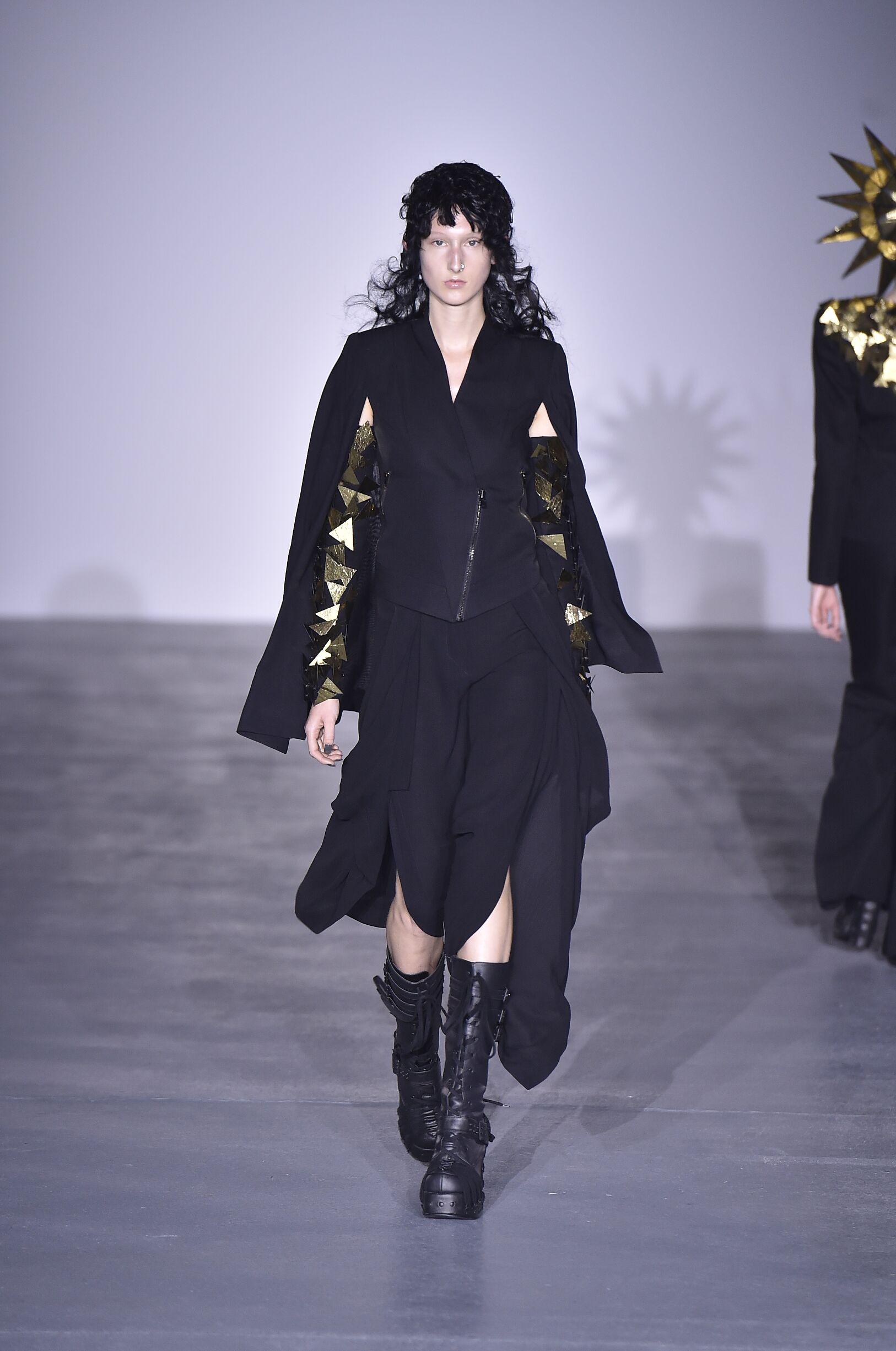 Gareth Pugh Spring Summer 2017 Womens Collection London Fashion Week