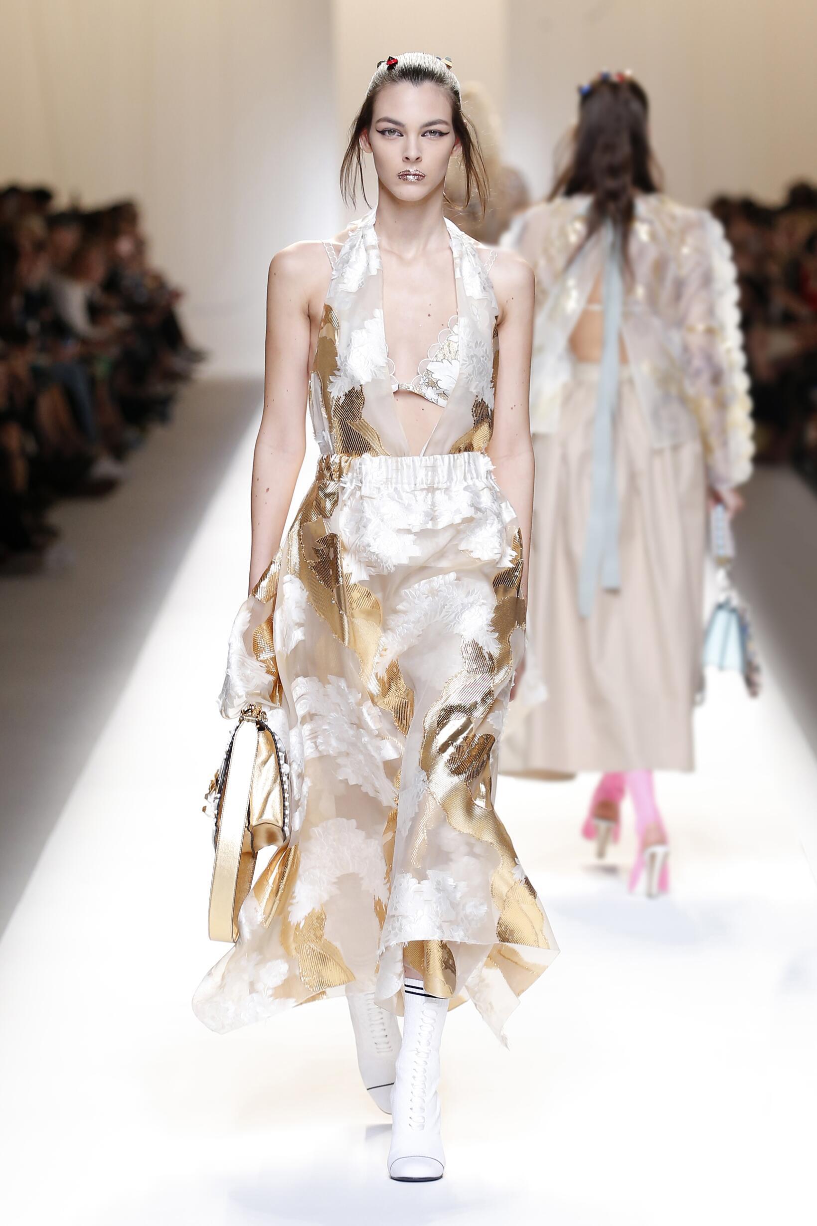 Milan Fashion Week 2017 Woman Style Fendi