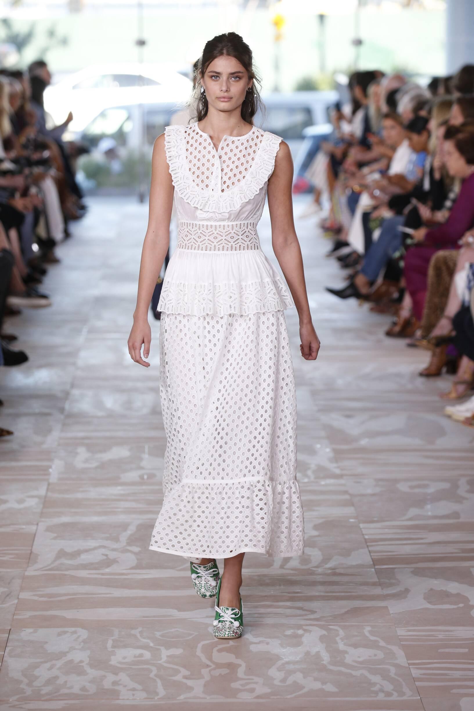 Model Fashion Show Tory Burch