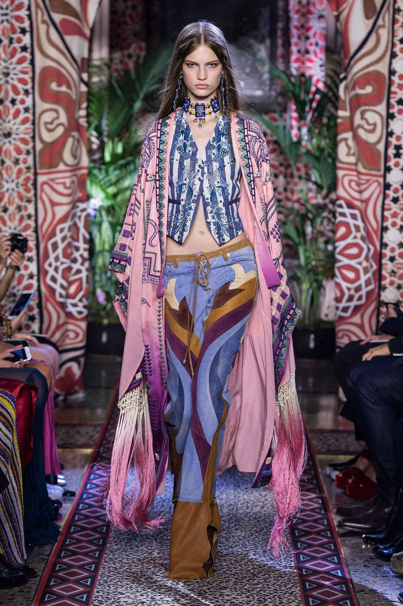 pretty nice fe8b0 71991 ROBERTO CAVALLI SPRING SUMMER 2017 WOMEN'S COLLECTION | The ...