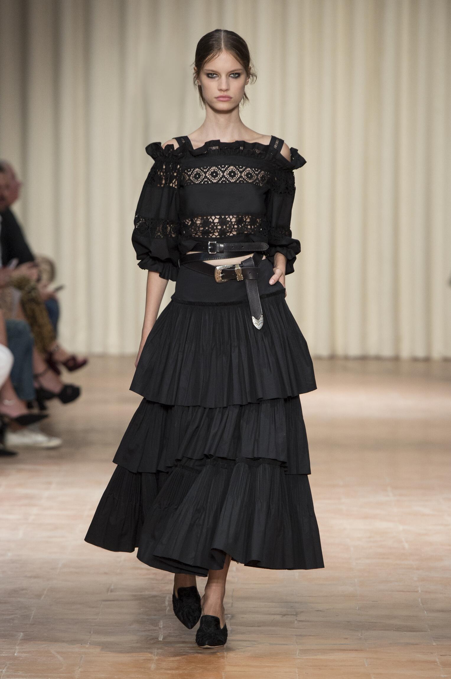 SS 2017 Alberta Ferretti Fashion Show Milan