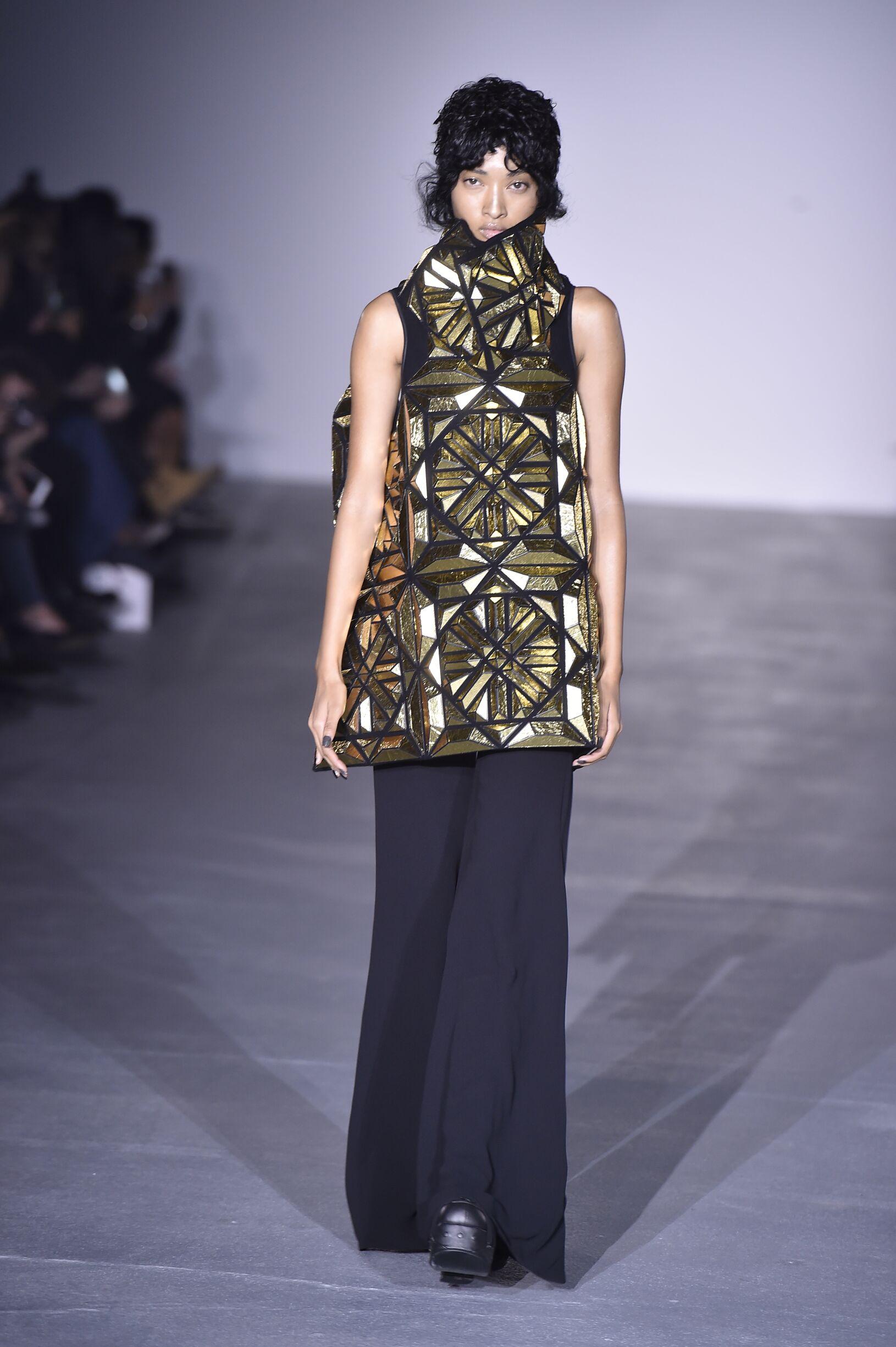 SS 2017 Fashion Show Gareth Pugh