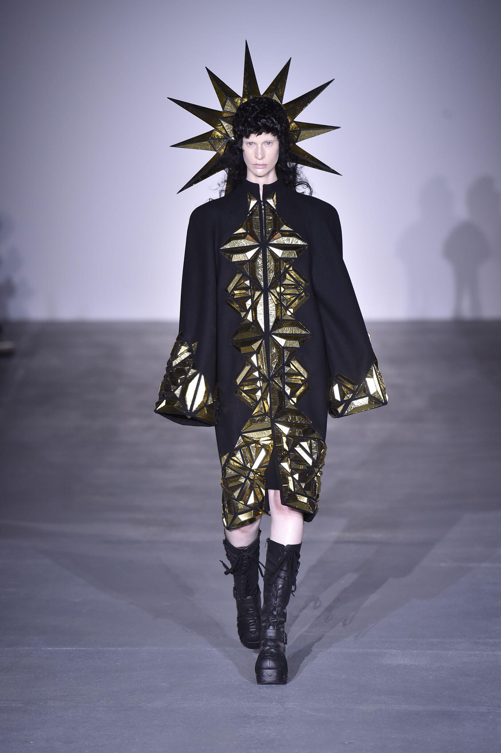 SS 2017 Gareth Pugh Fashion Show