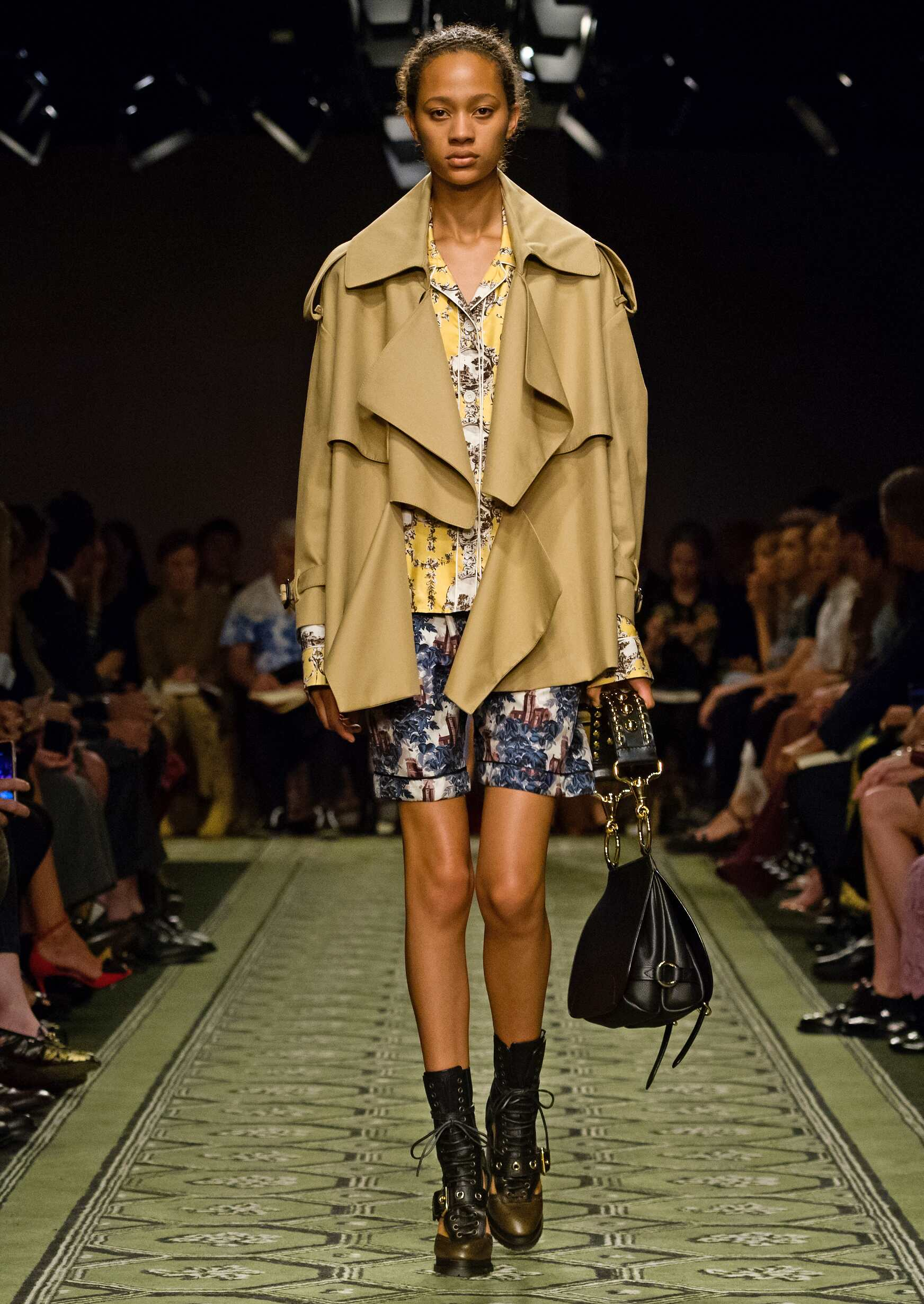 September 2016 Collection Burberry London Fashion Week