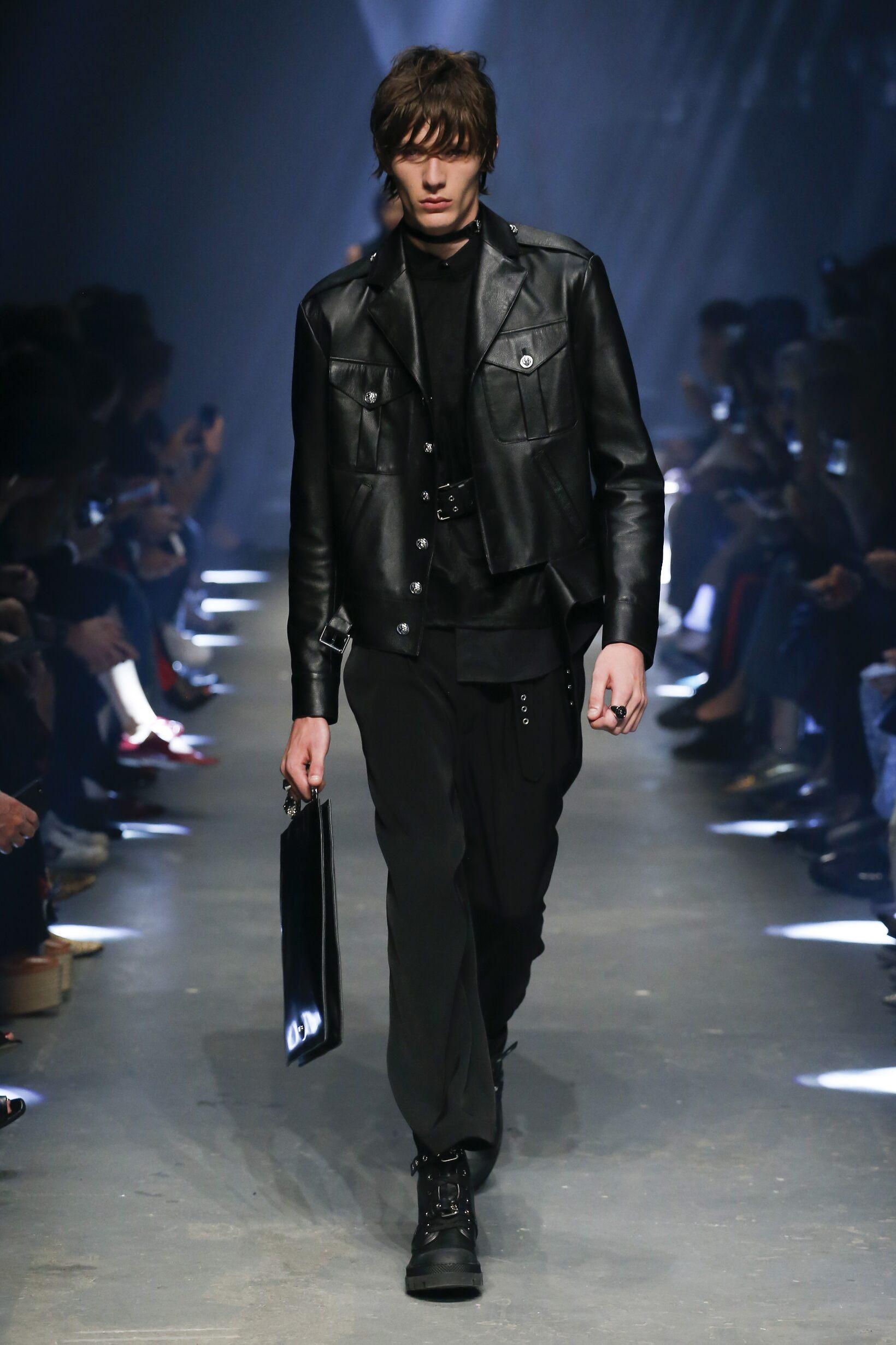 Spring 2017 Menswear Versus Versace
