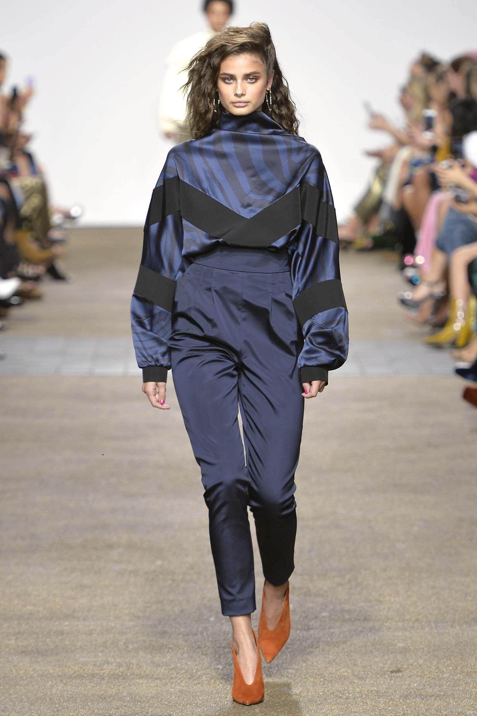 Topshop Unique Fashion Show September 2016 Collection