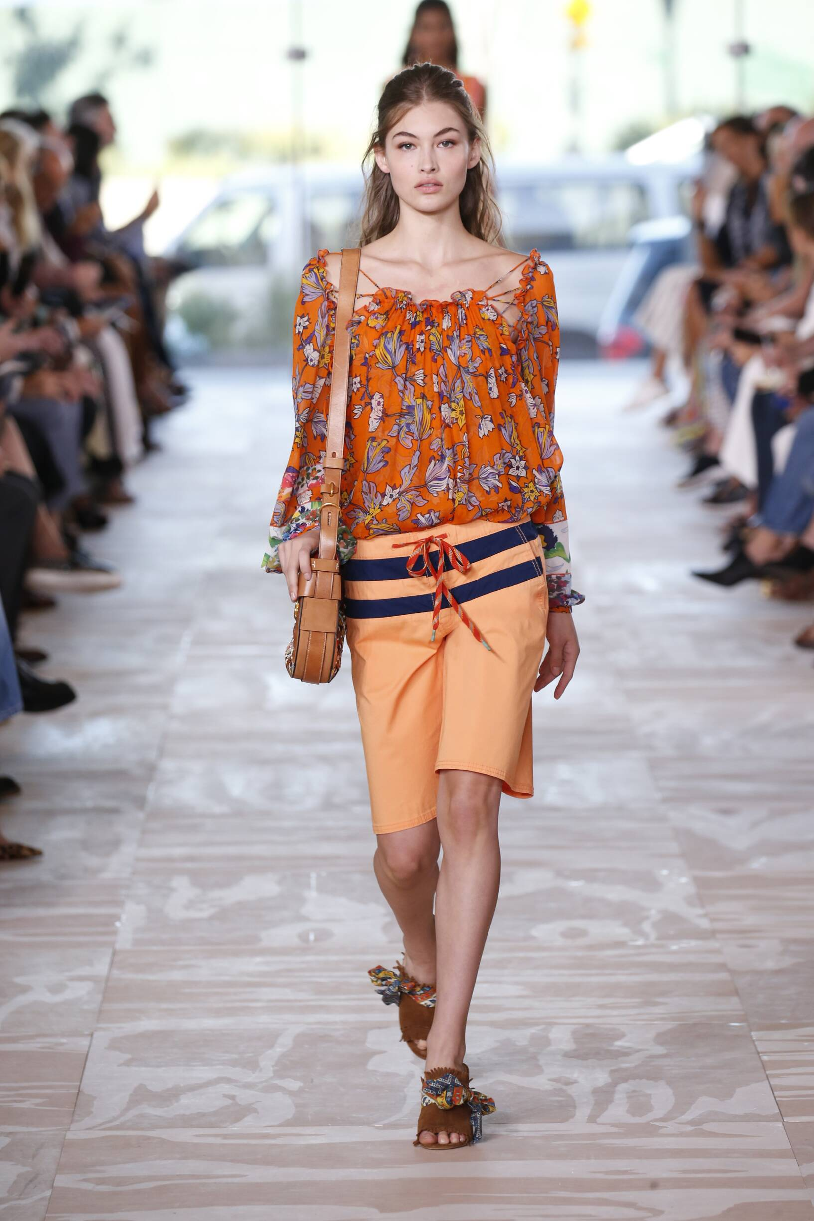 Tory Burch Spring 2017 Catwalk