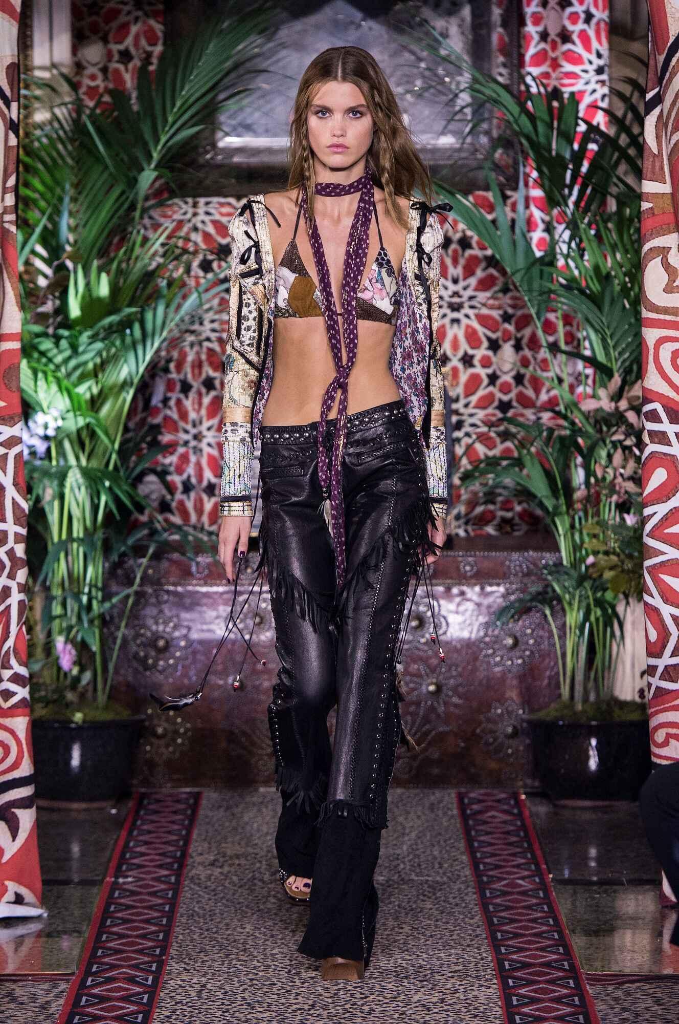 Trends SS 2017 Roberto Cavalli Fashion Show Milan