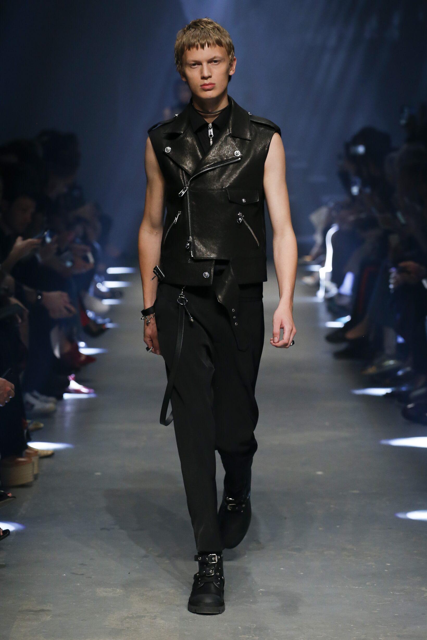 1a63c34c6fff1 Versus Versace London Fashion Week Womenswear
