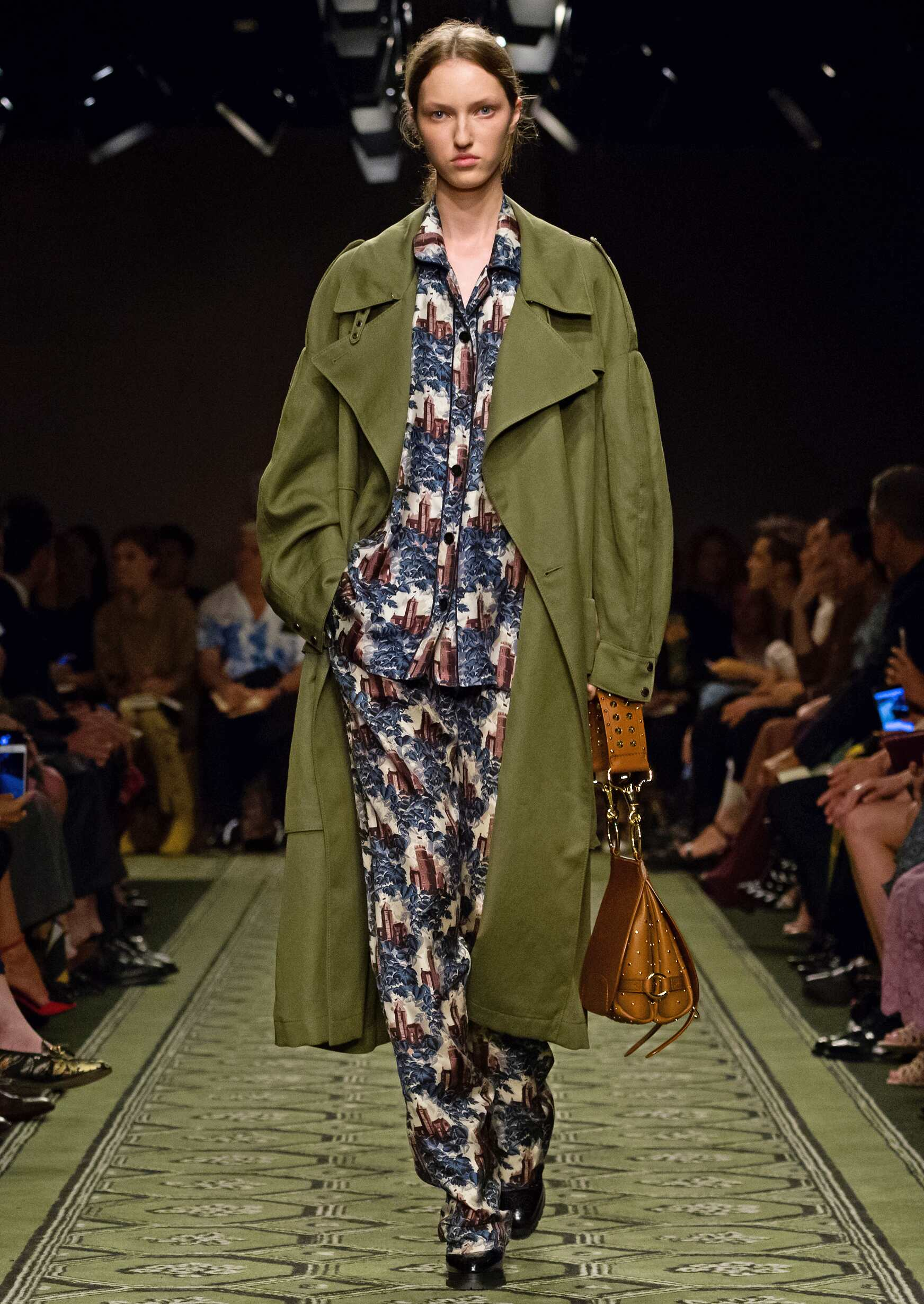 Woman September 2016 Collection Burberry