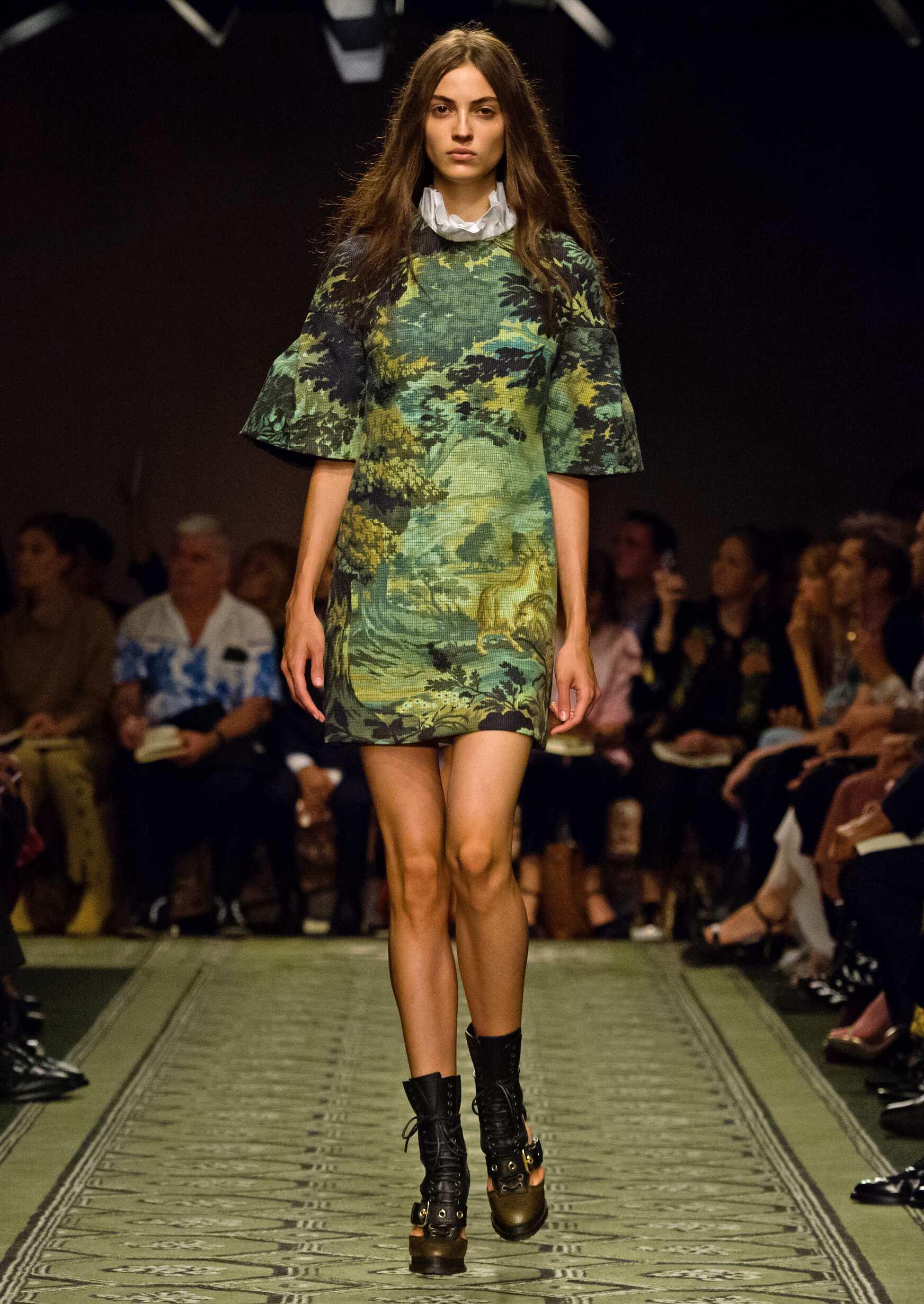 Womens Catwalk Burberry London Fashion Week