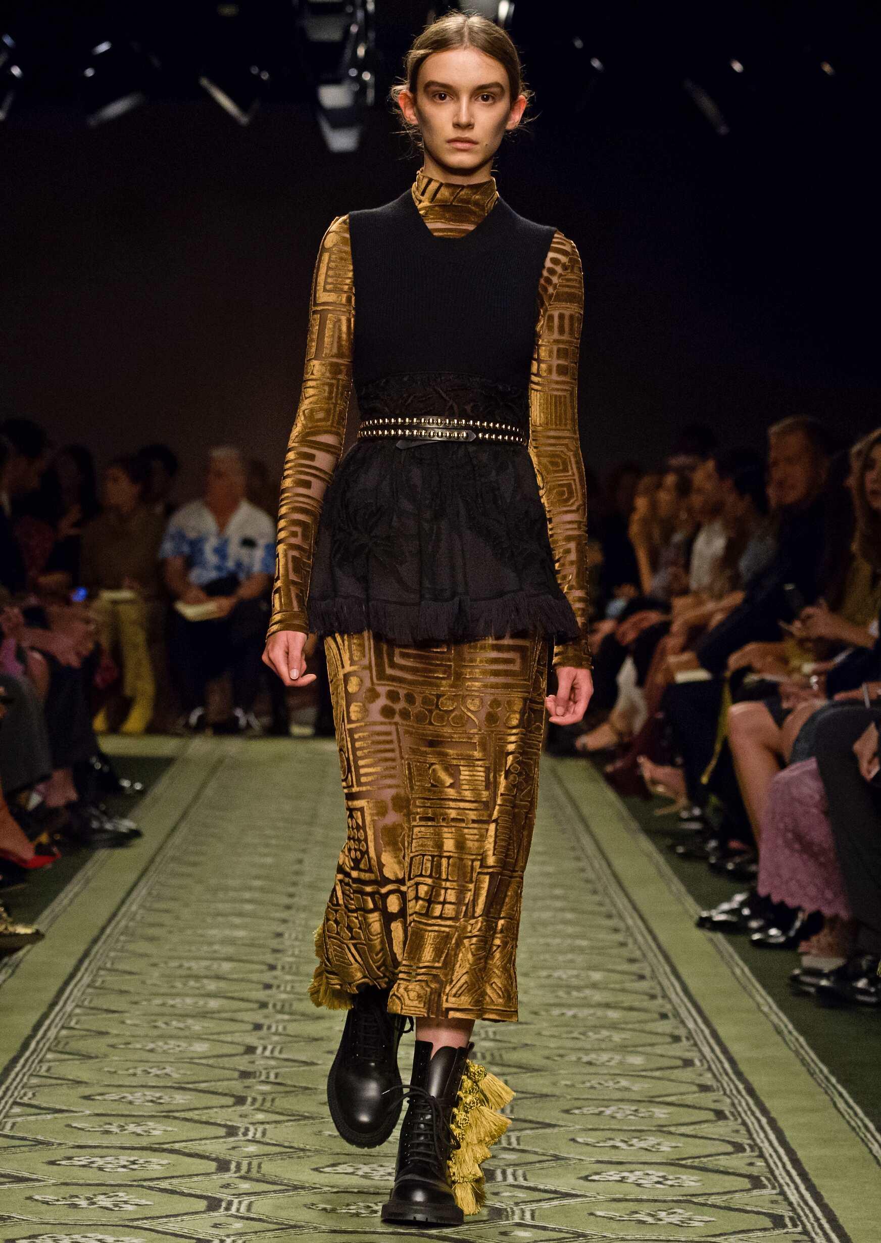 Womenswear September 2016 Collection Burberry London Fashion Week