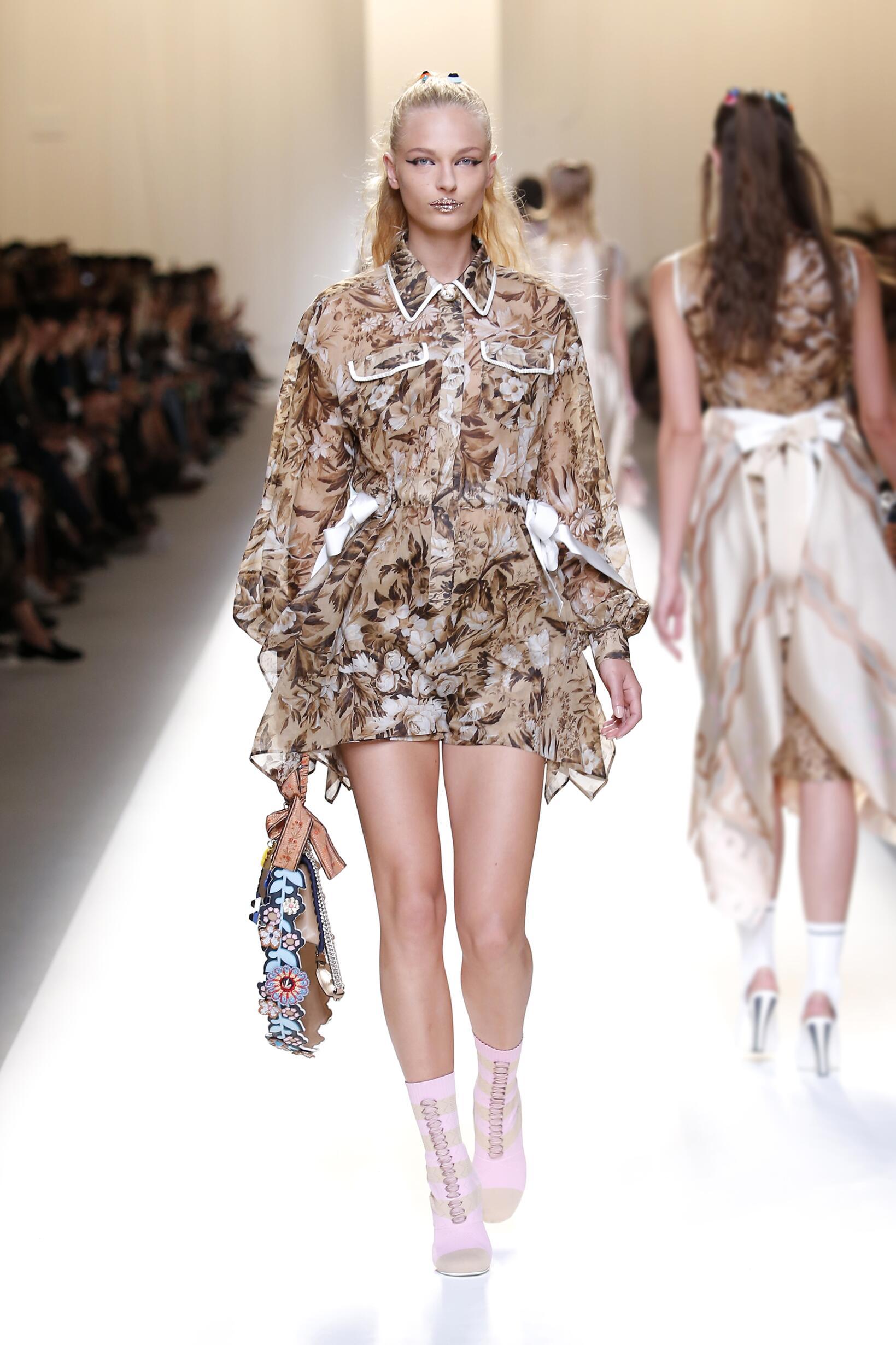 Womenswear Spring Summer Fendi 2017 Milan Fashion Week
