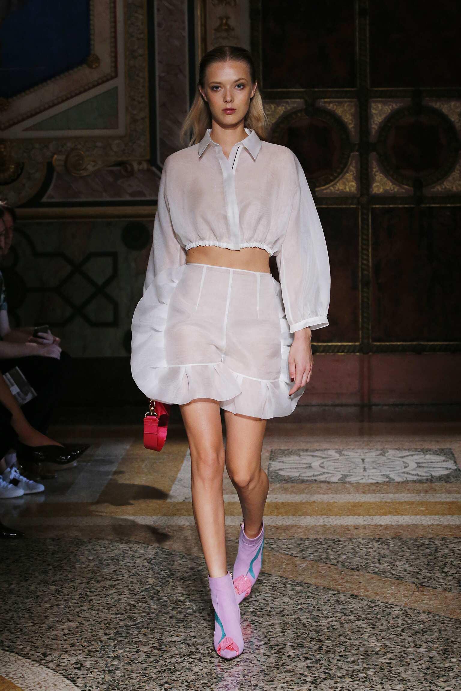 2017 Catwalk Blumarine Woman Fashion Show Summer