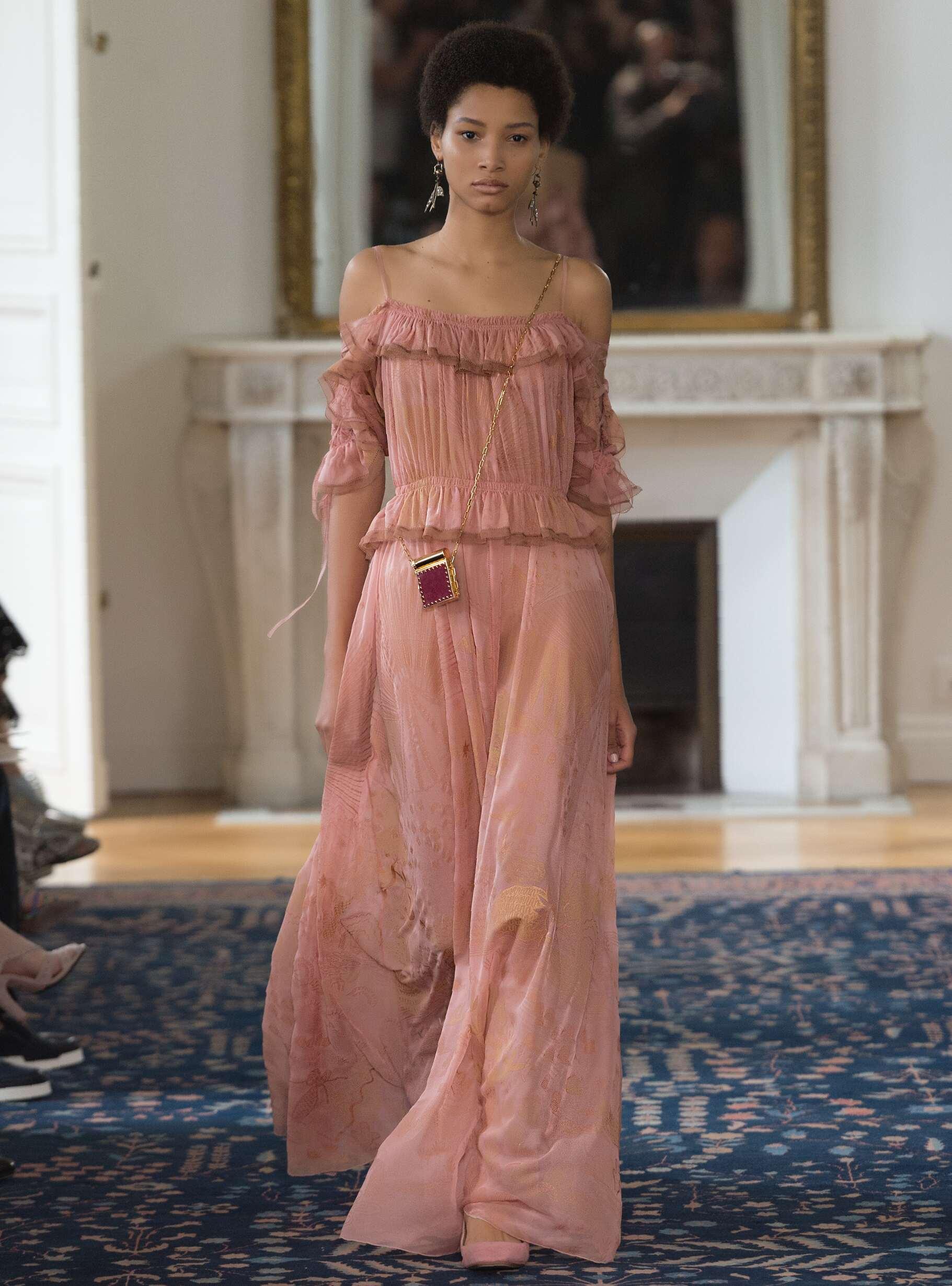2017 Catwalk Valentino Woman Fashion Show Summer