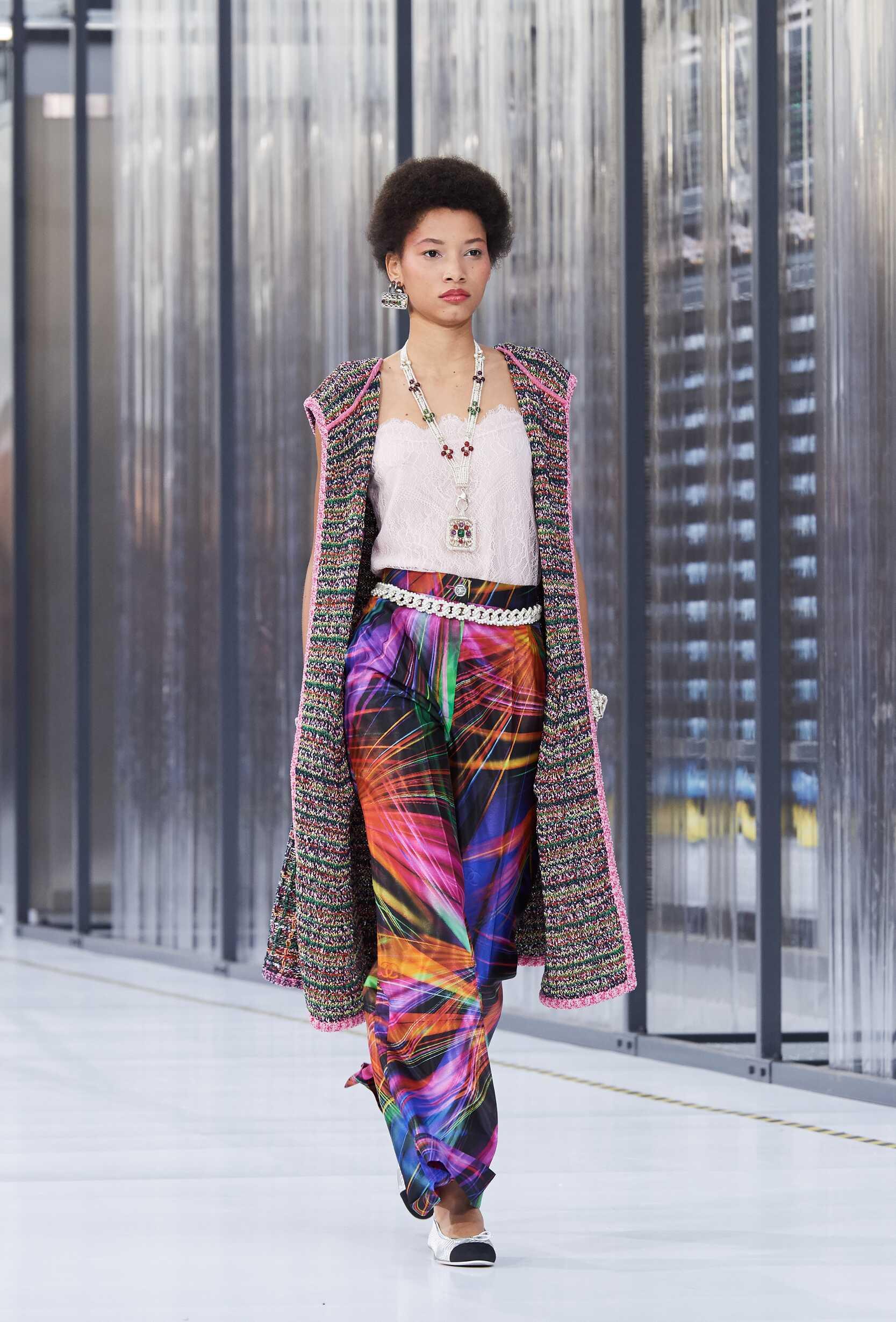2017 Chanel Catwalk Paris Fashion Week