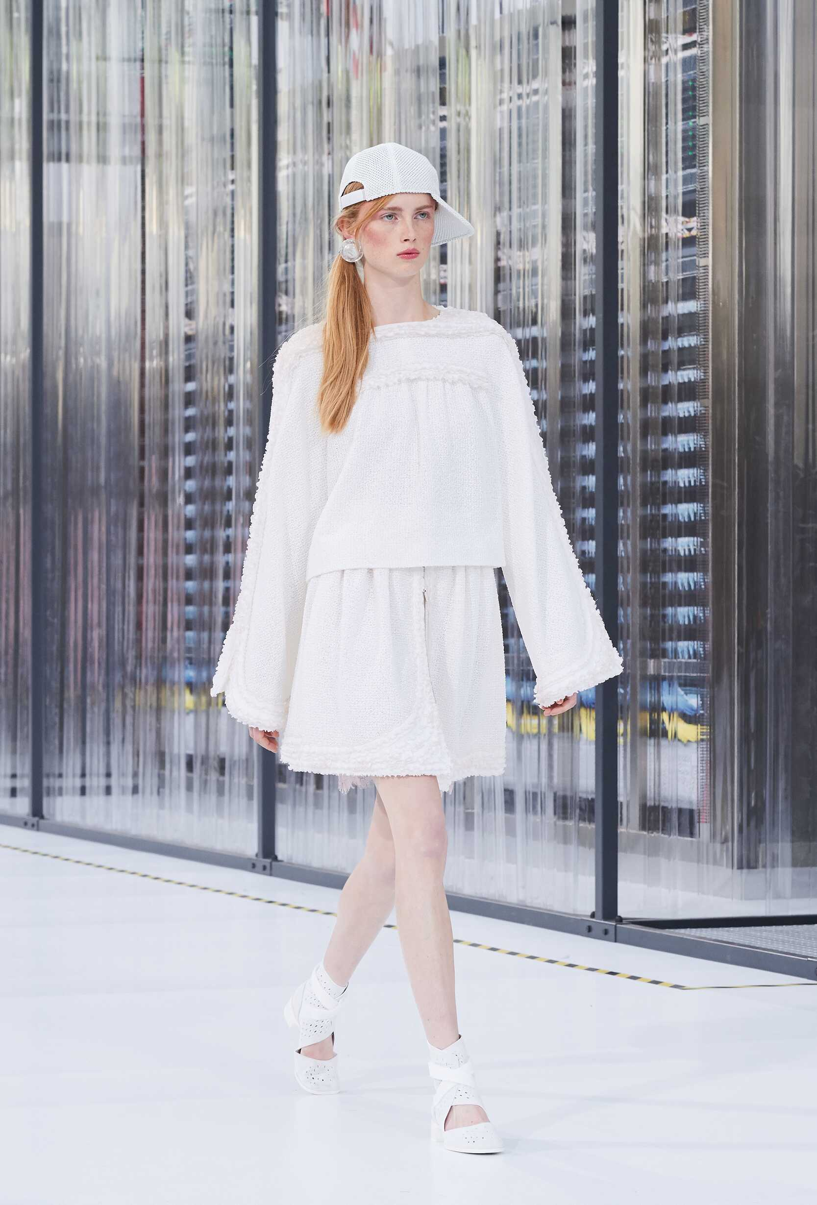 2017 Chanel Trends Paris Fashion